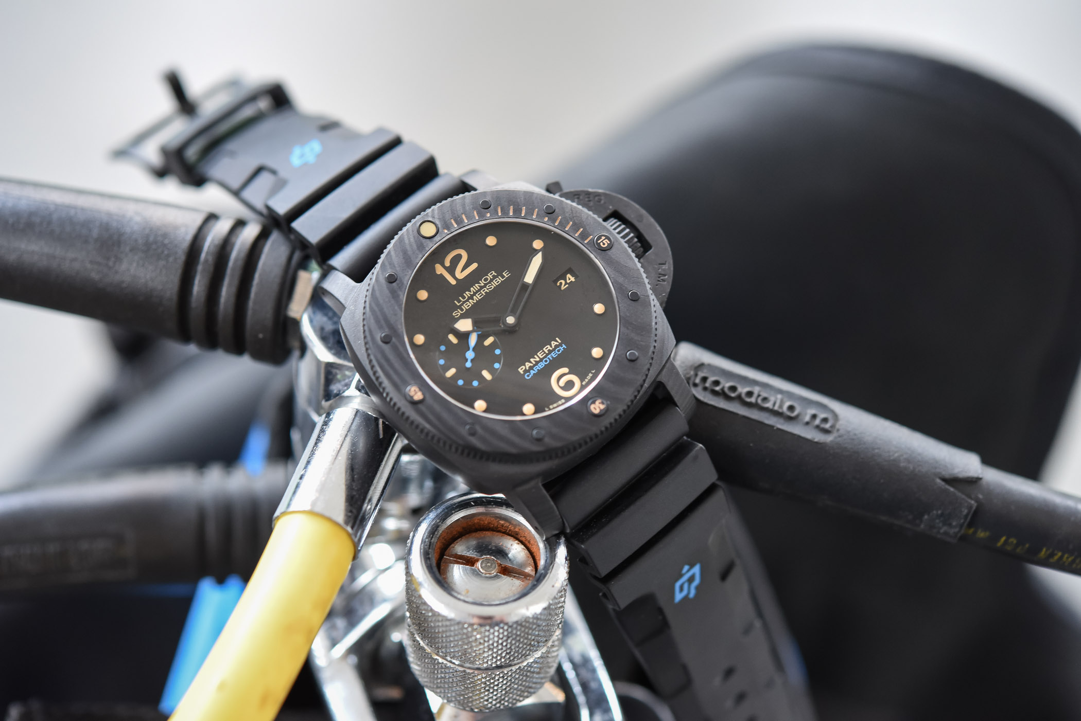 Panerai Luminor Submersible 1950 Carbotech 3 Days Automatic 47mm PAM00616