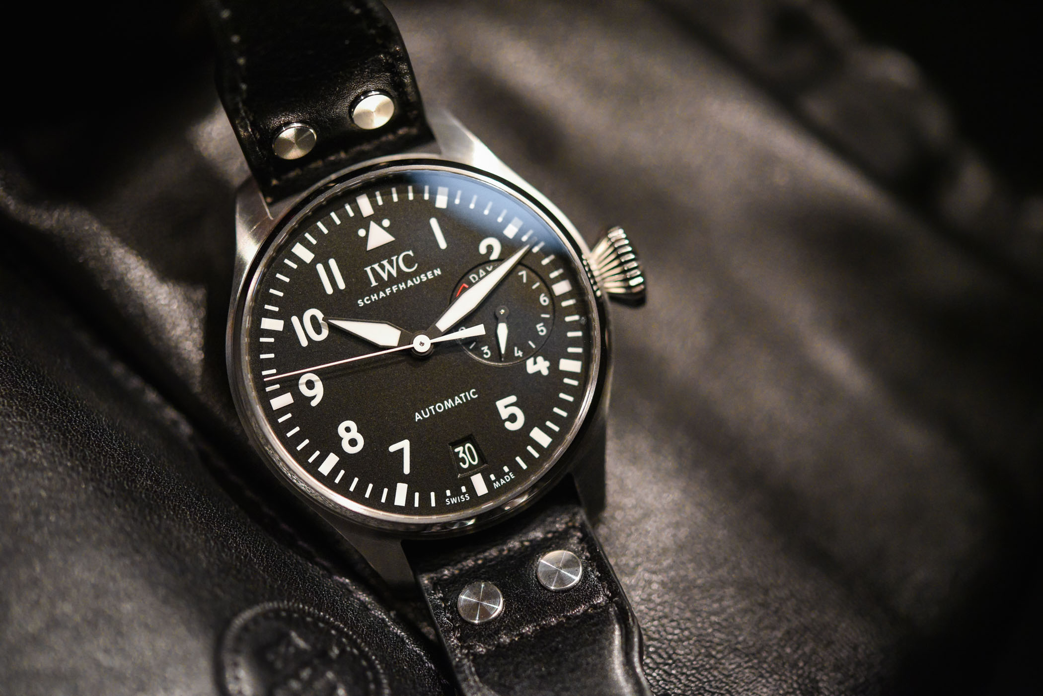 b60015ab2 Buying Guide - 5 of The Most Iconic Pilot Watches You Can Buy In 2018