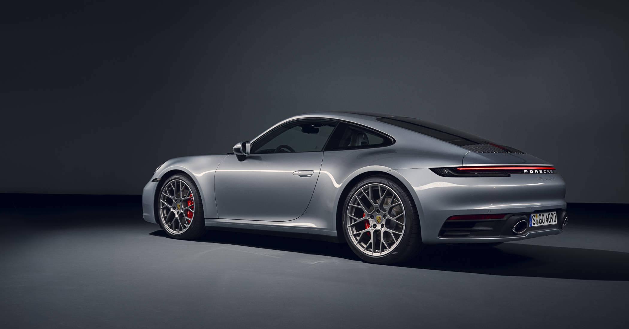 Porsche 911 type 992 - 4