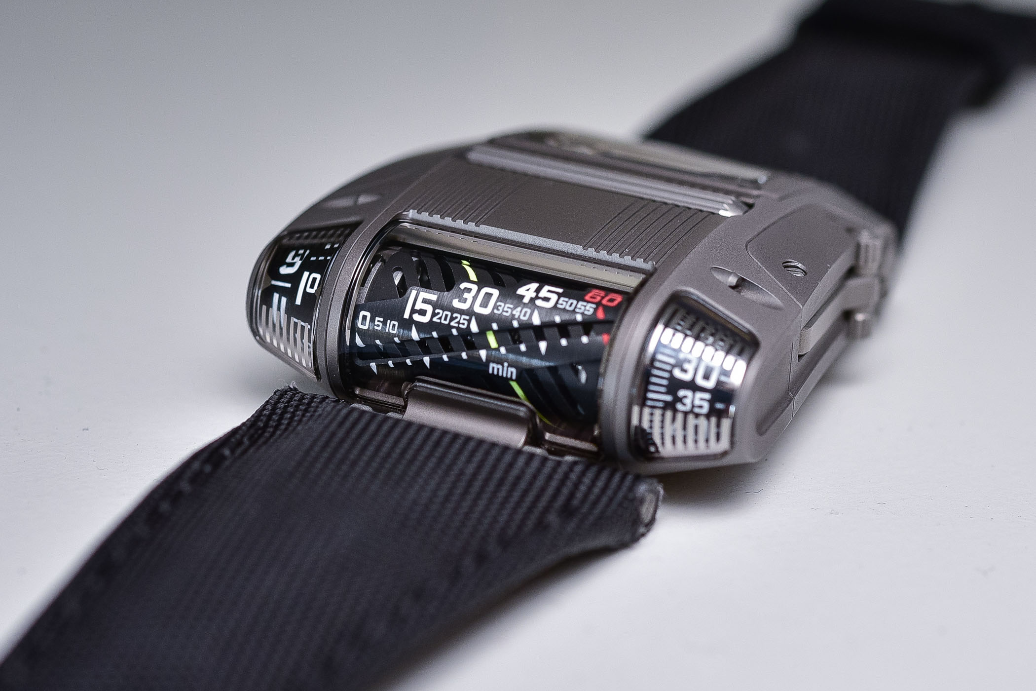 Urwerk UR-111C - Review - 16