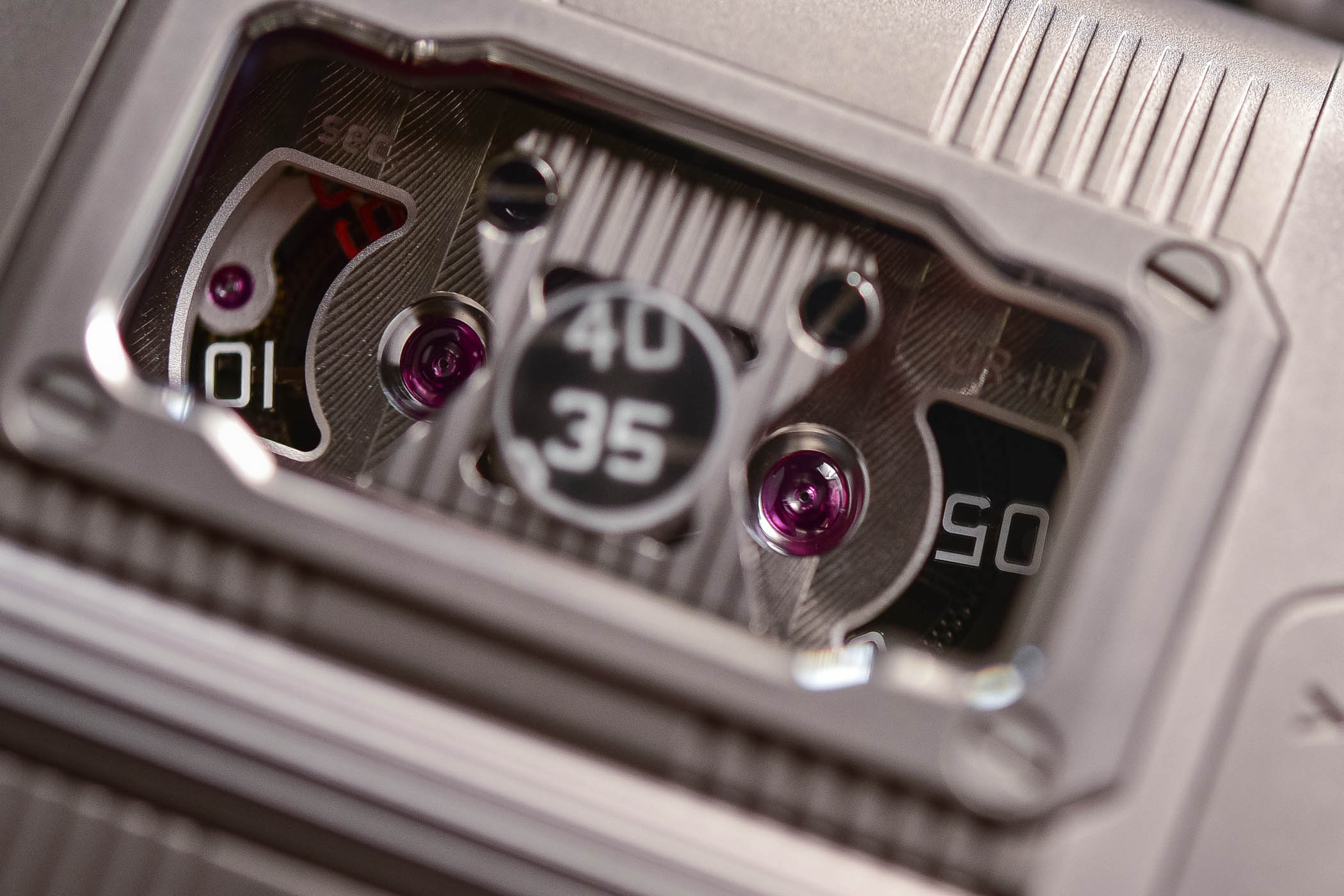Urwerk UR-111C - Review - 7