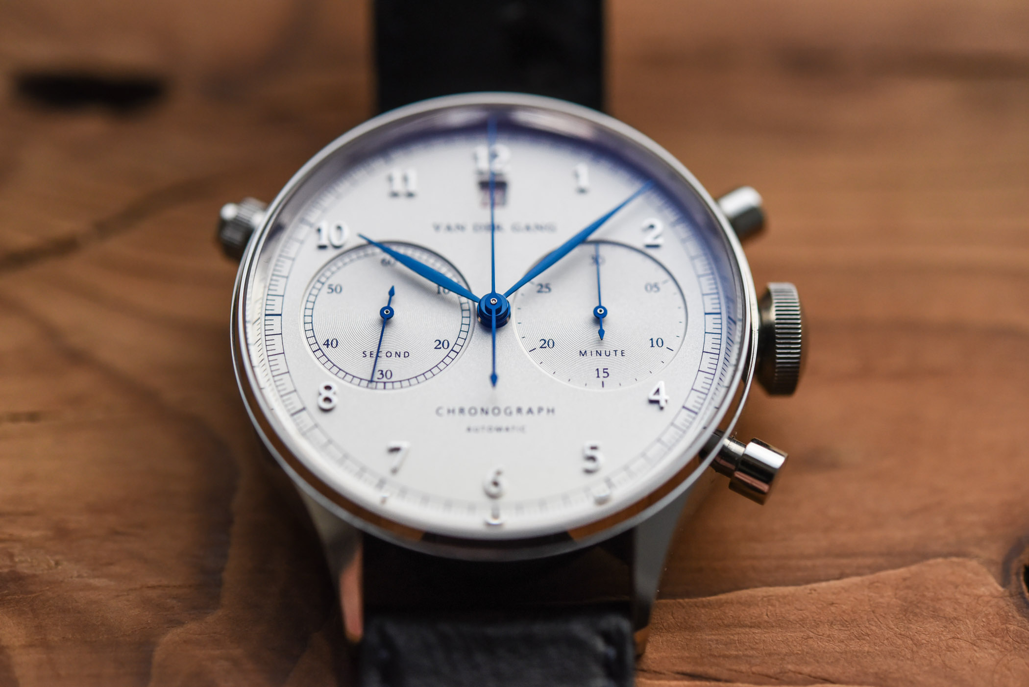 Van der Gang 20019 Chronograph - review - 11