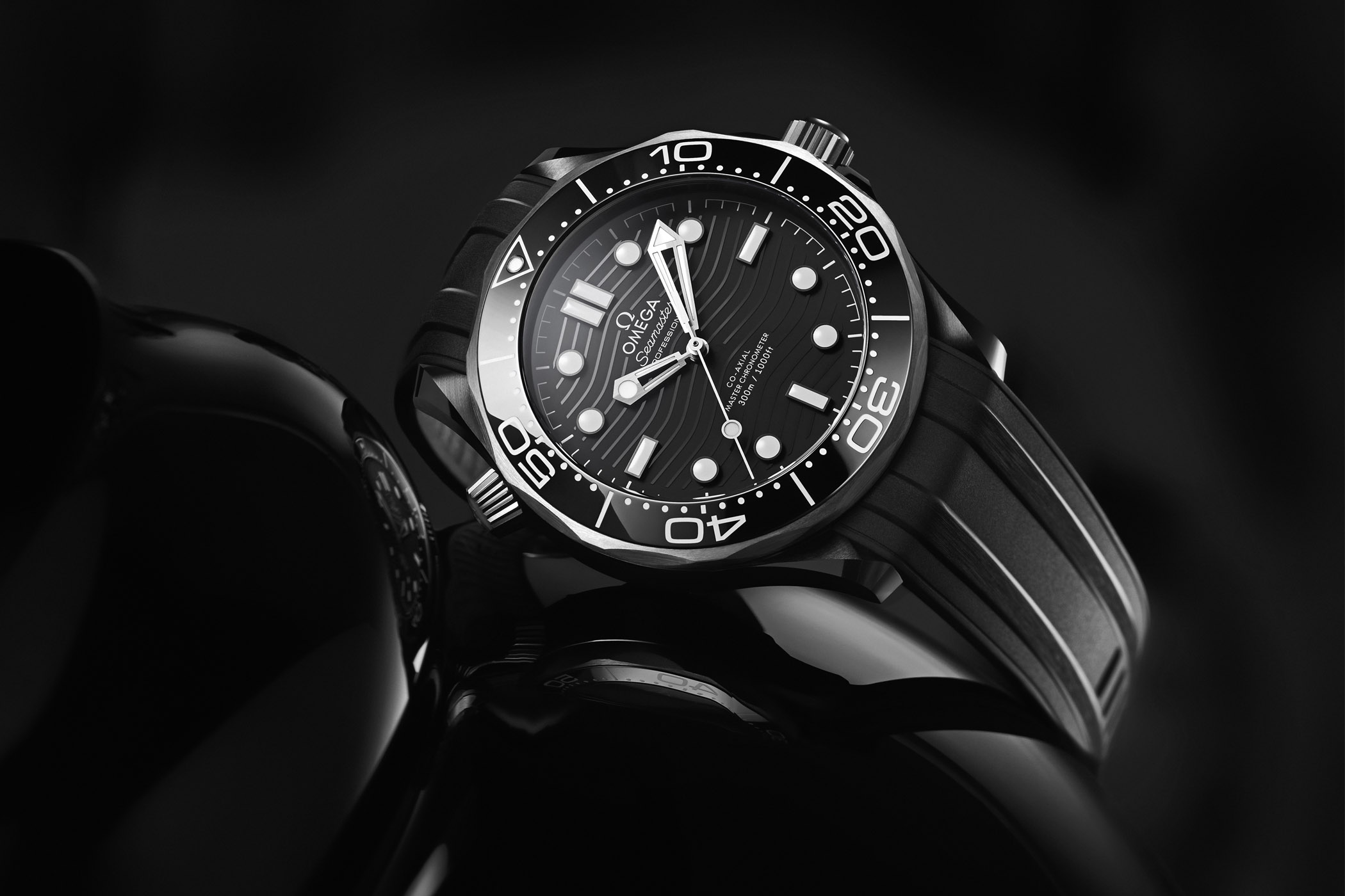 Omega Seamaster Diver 300M Ceramic-and-Titanium 210.92.44.20.01.001 collection 2019