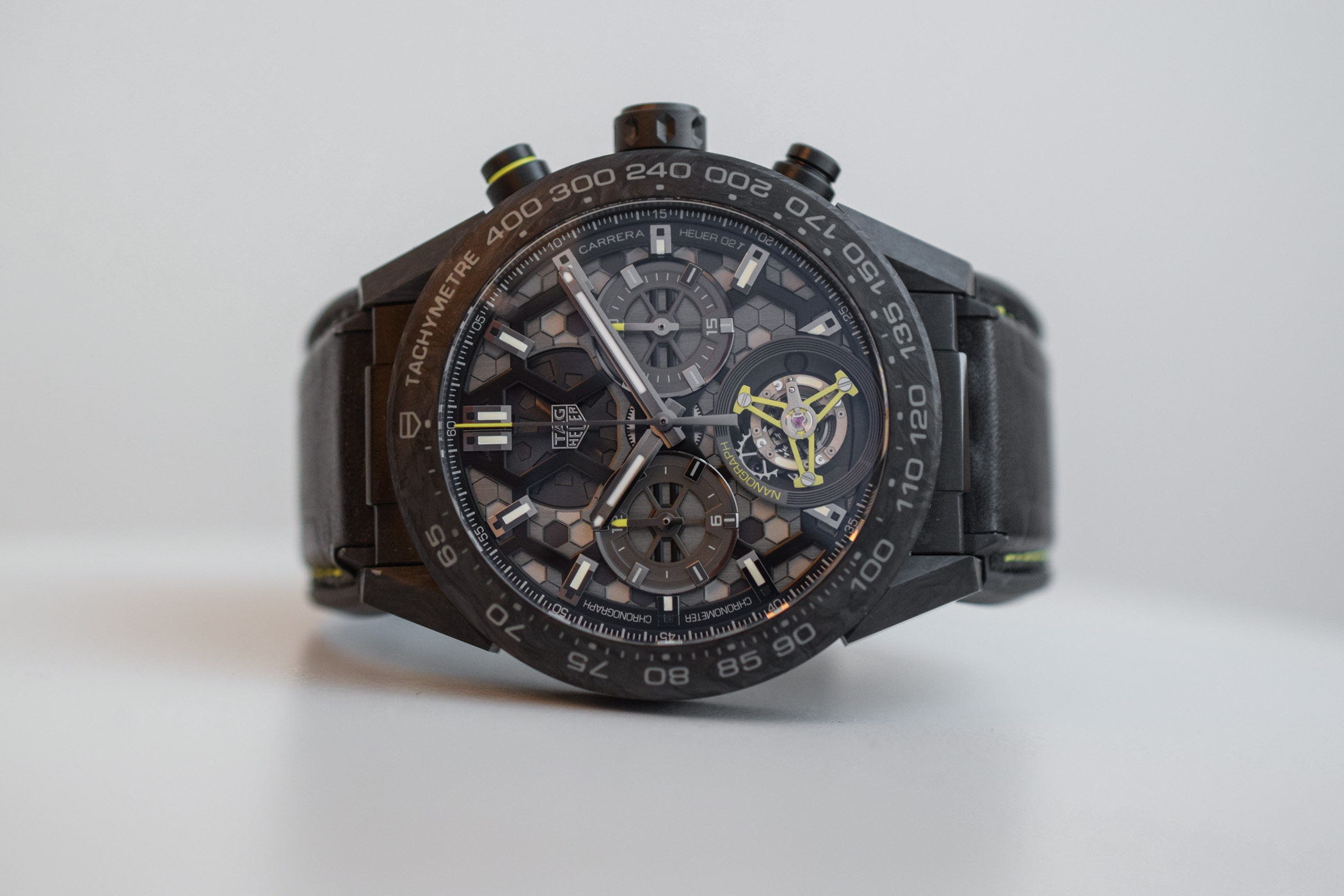 3164d18bc6a Apart from its new hairspring, the tourbillon regulator is identical to the  other Heuer 02T watches, with a 4Hz frequency and a flying architecture.