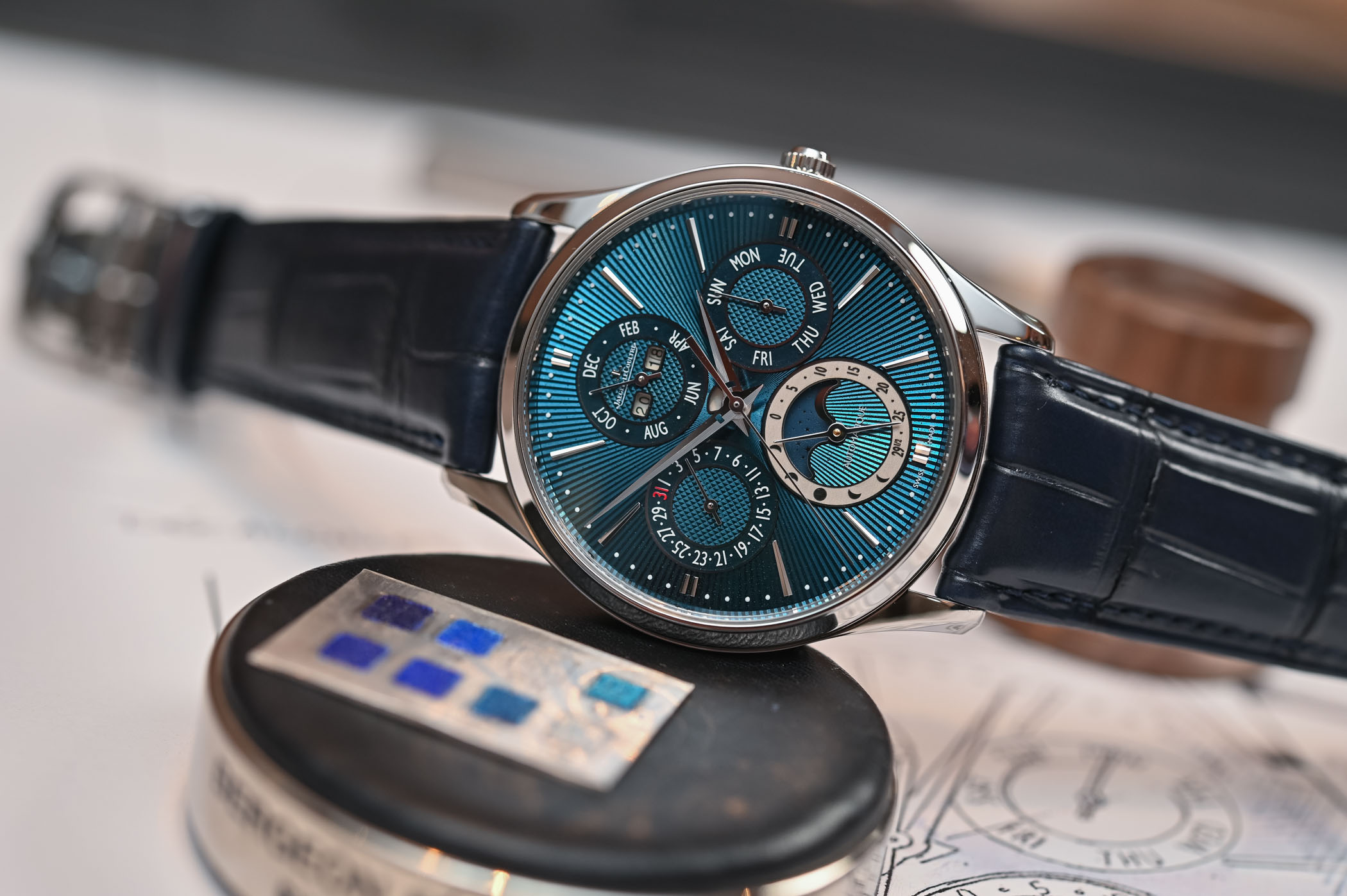 Jaeger-LeCoultre Master Ultra-Thin Perpetual Enamel 2019 Limited Edition Q13035E1