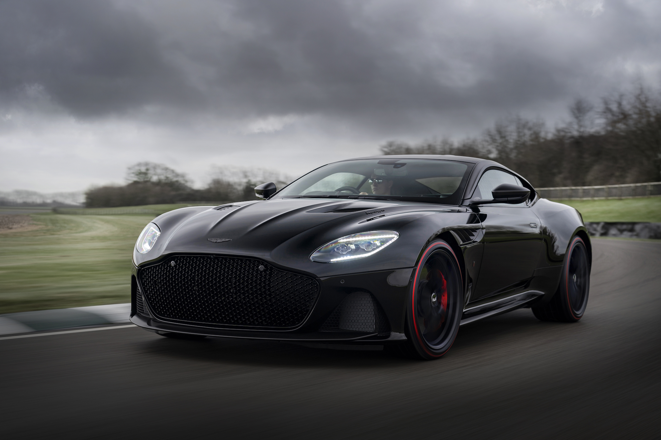 Aston_Martin_DBS_Superleggera_TAG_Heuer_Edition_1-jpg