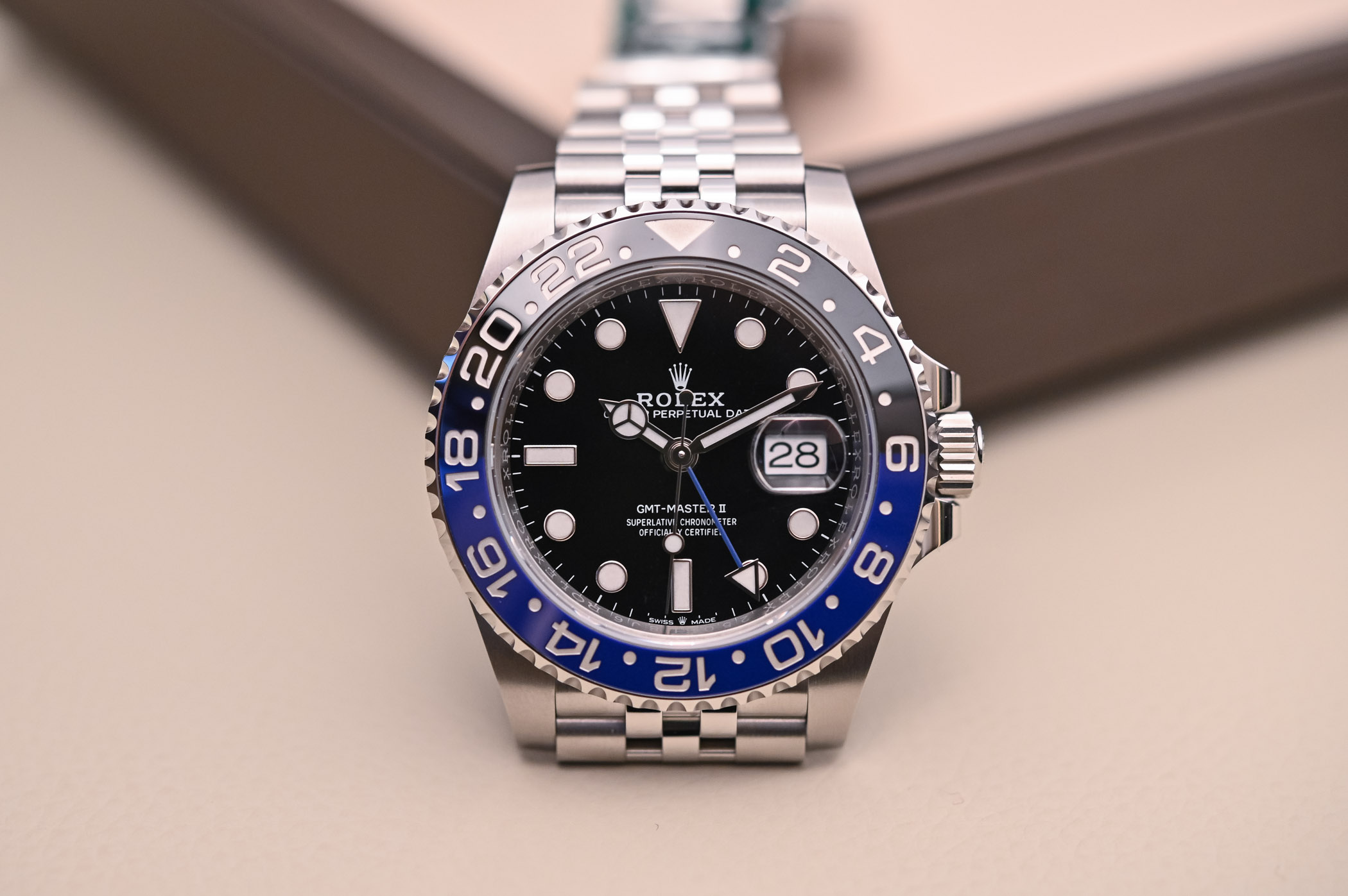 Rolex GMT Master II 126710BLNR Batman Jubilee - Review - 8