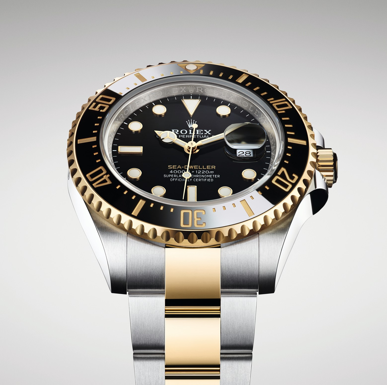 a4459cd6b0549 Most of the watch specs remain the same, but the use of yellow gold brings  the watch into a new, more luxurious, territory.