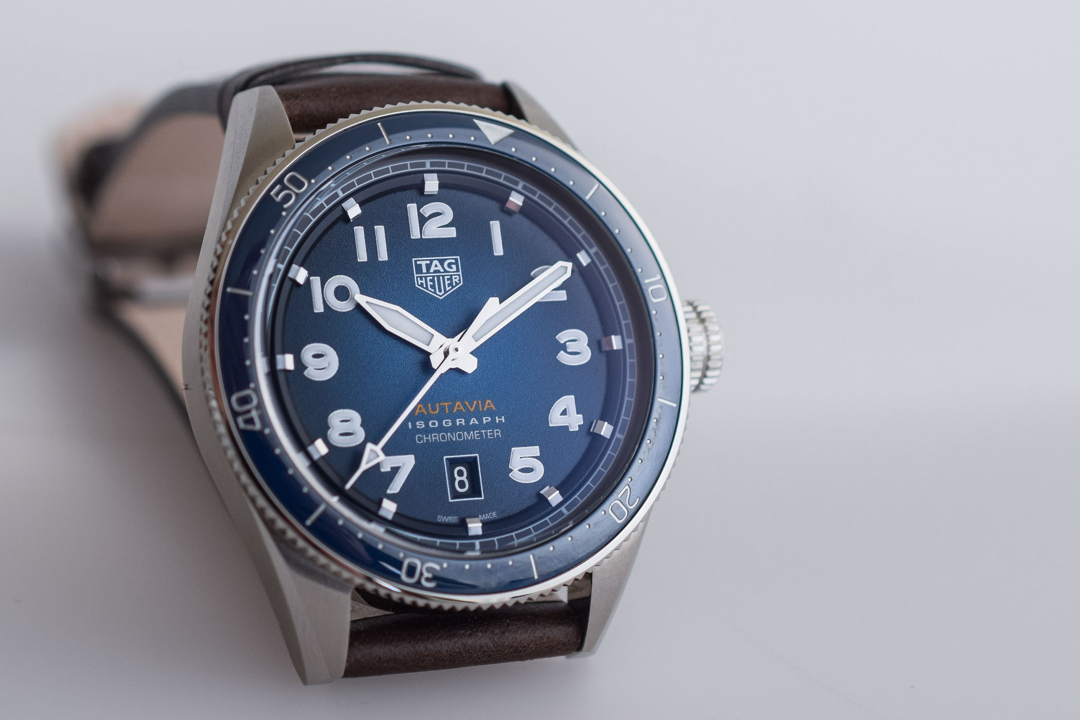 Baselworld 2019 tag heuer autavia isograph chronometer with carbon hairspring specs price for Tag heuer autavia isograph
