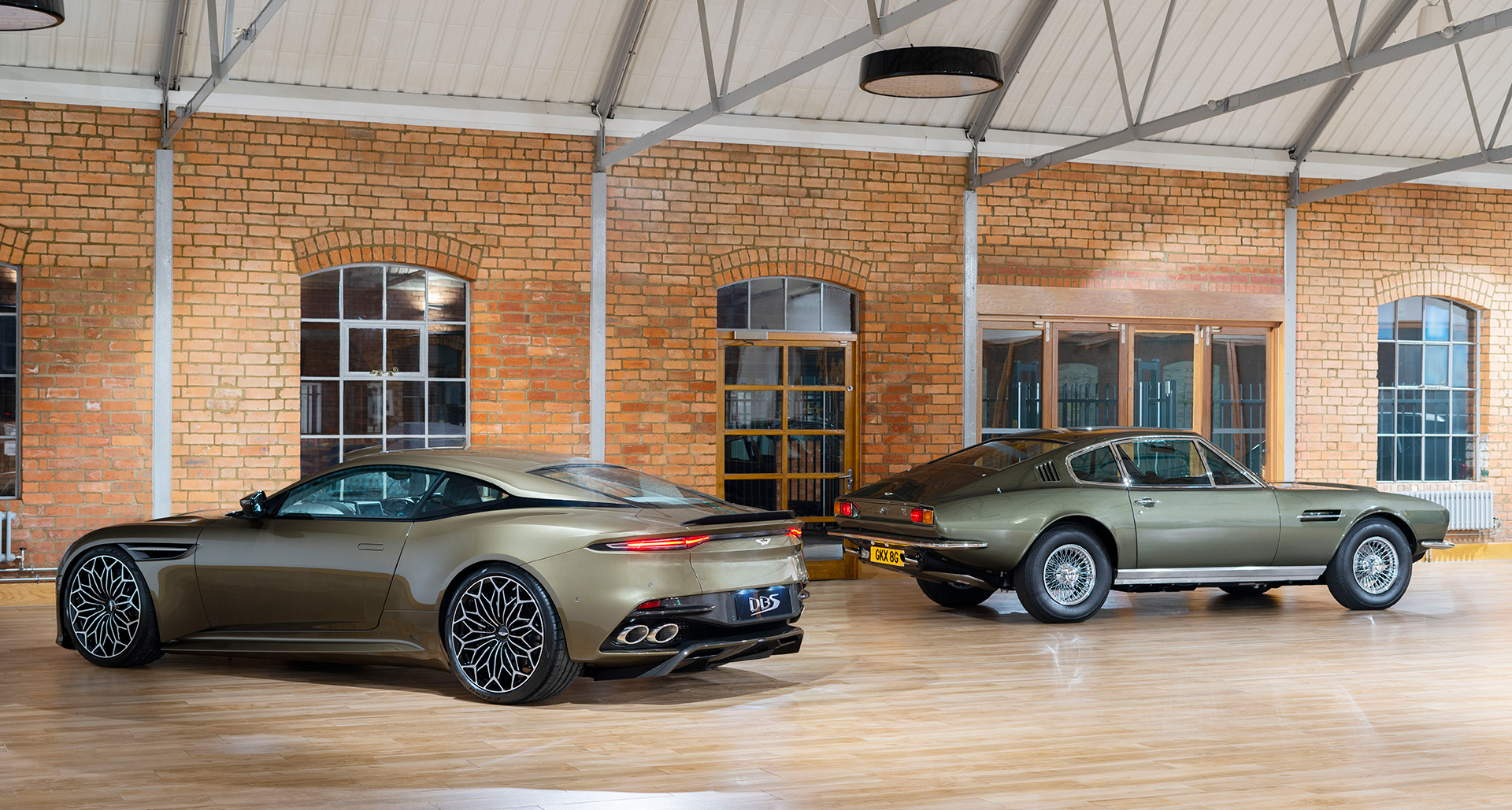 Aston Martin DBS Superleggera Edition James Bond 007 On Her Majesty's Secret Service