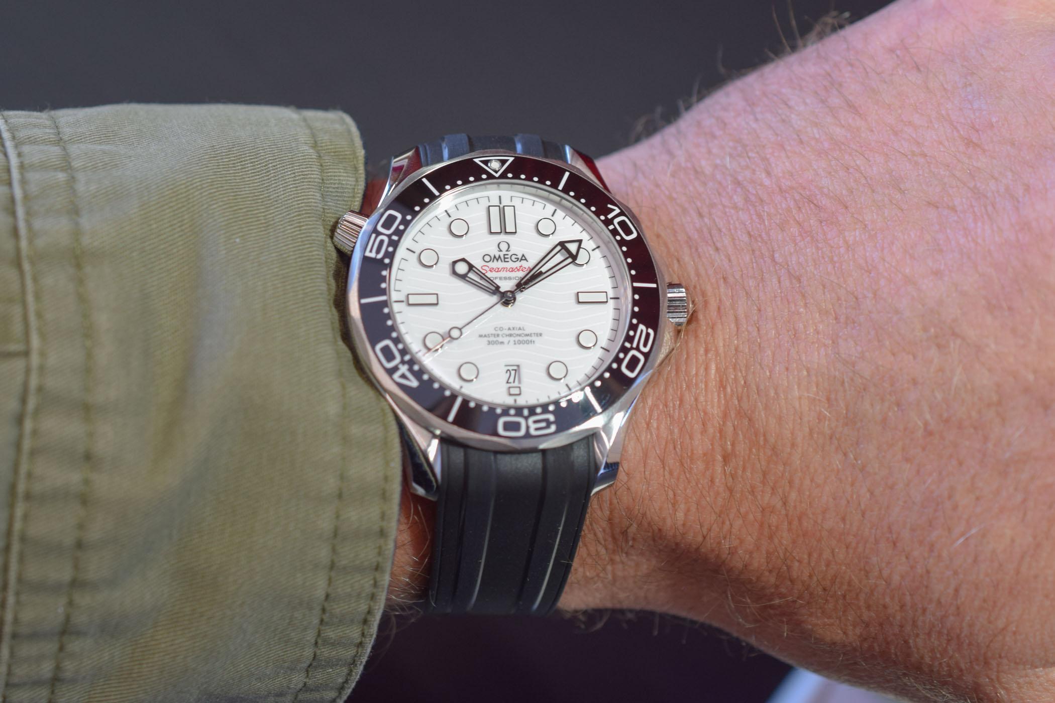 Omega Seamaster Diver 300M White Ceramic Dial Master Chronometer 210.30.42.20.04.001