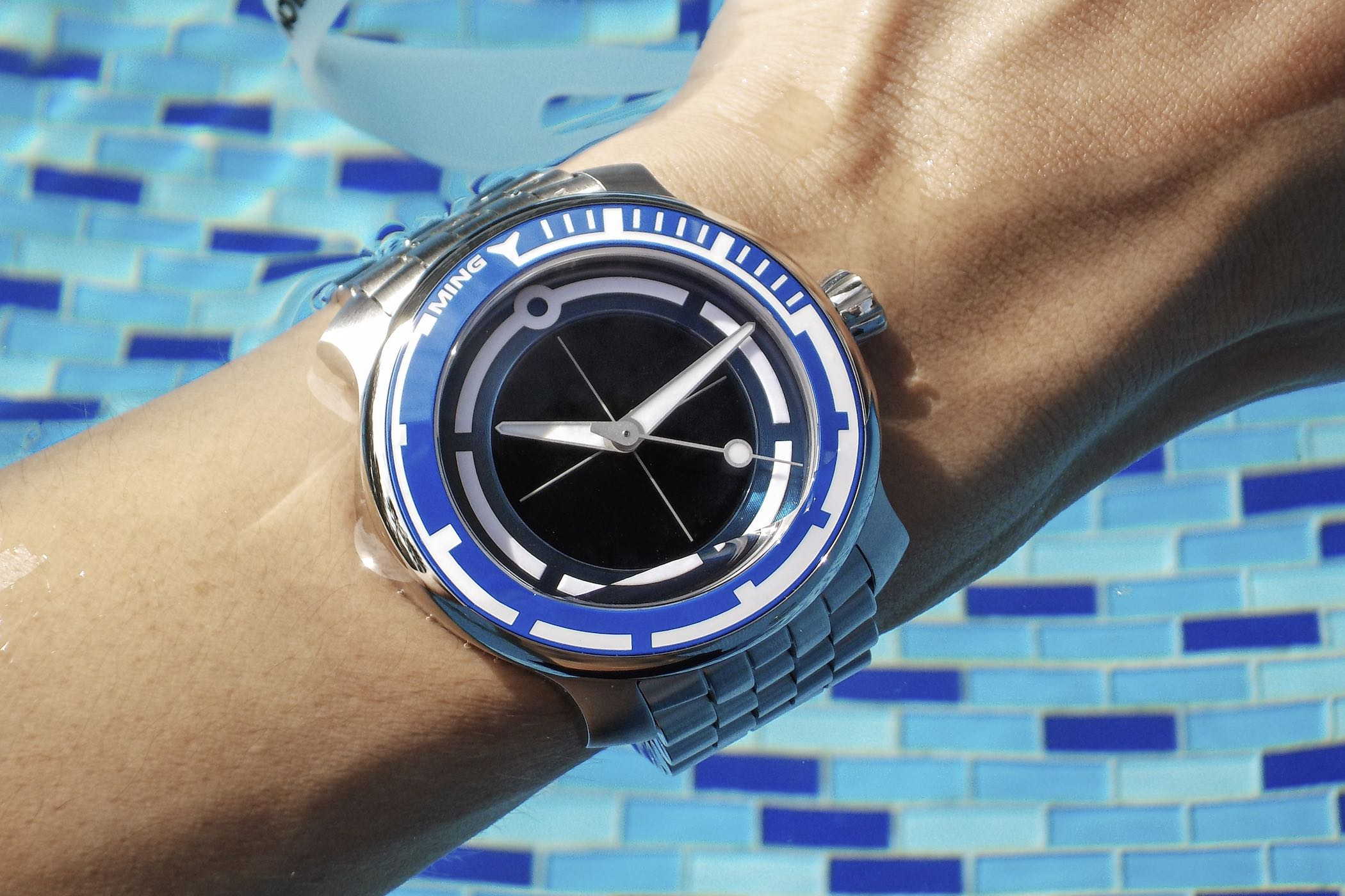 MING Watch 18.01 Abyss Concept Dive Watch