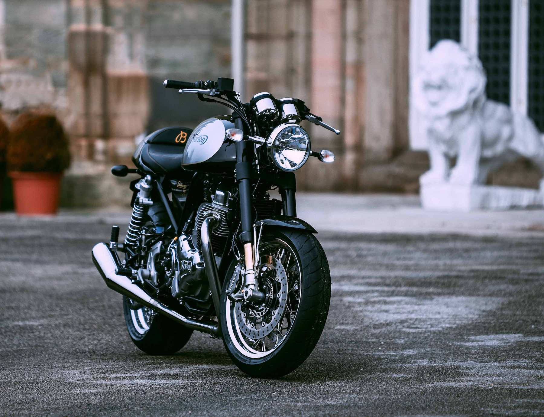 2011 Norton Commando 961 Cafe Racer Specs Images And Pricing