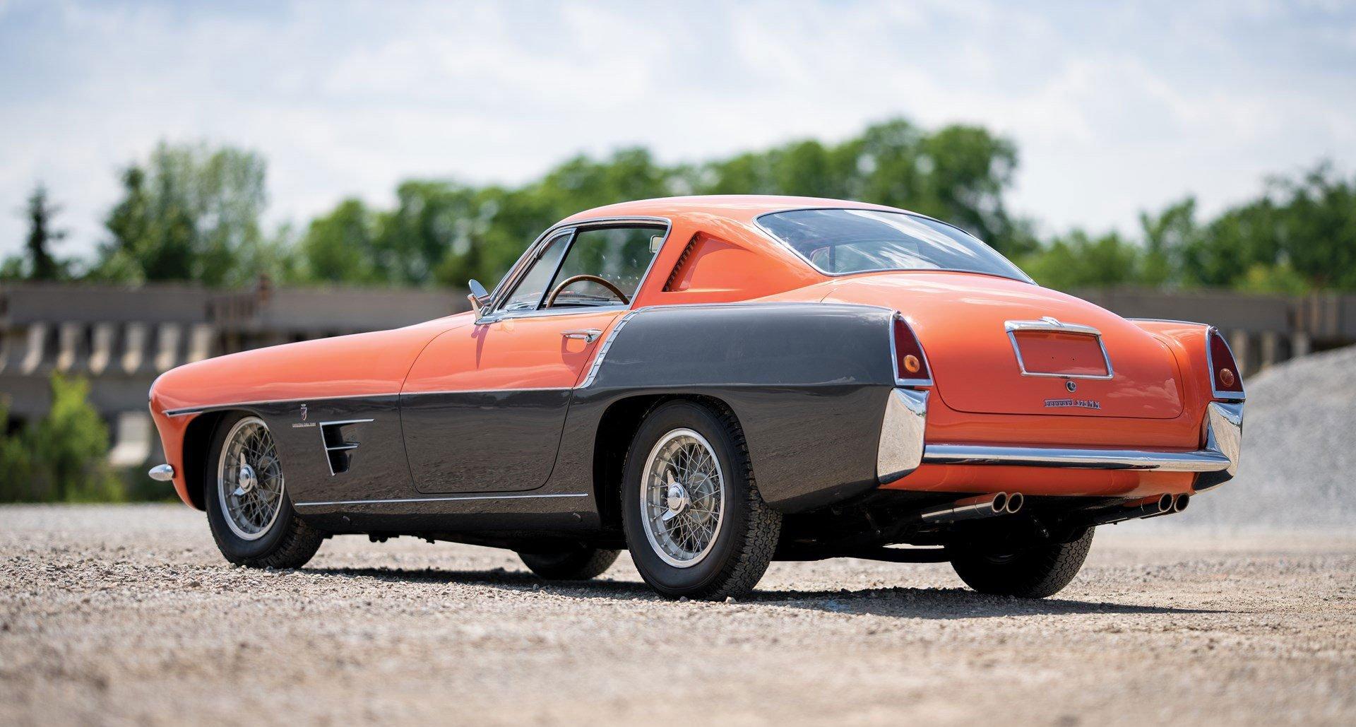 Ferrari 335 MM Ghia two-tone salmon grey - RM Sothebys Monterey 2019 - 1