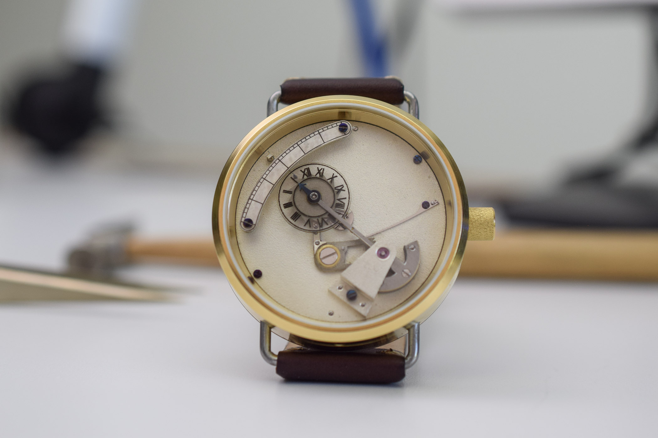 Antonin Falk Jumping Hours and Retrograde Minutes Montre ecole