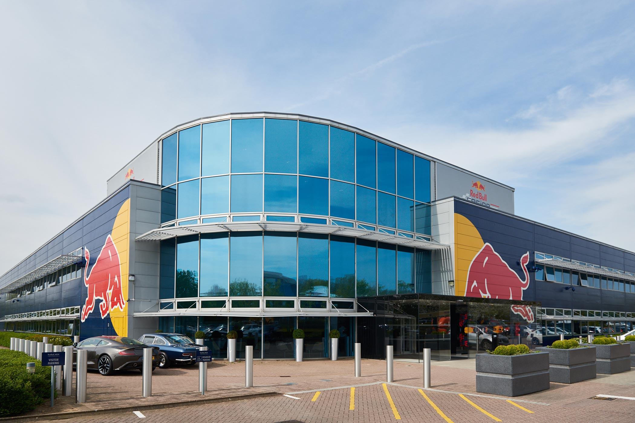 Aston Martin Red Bull Racing Production Milton Keynes (3)