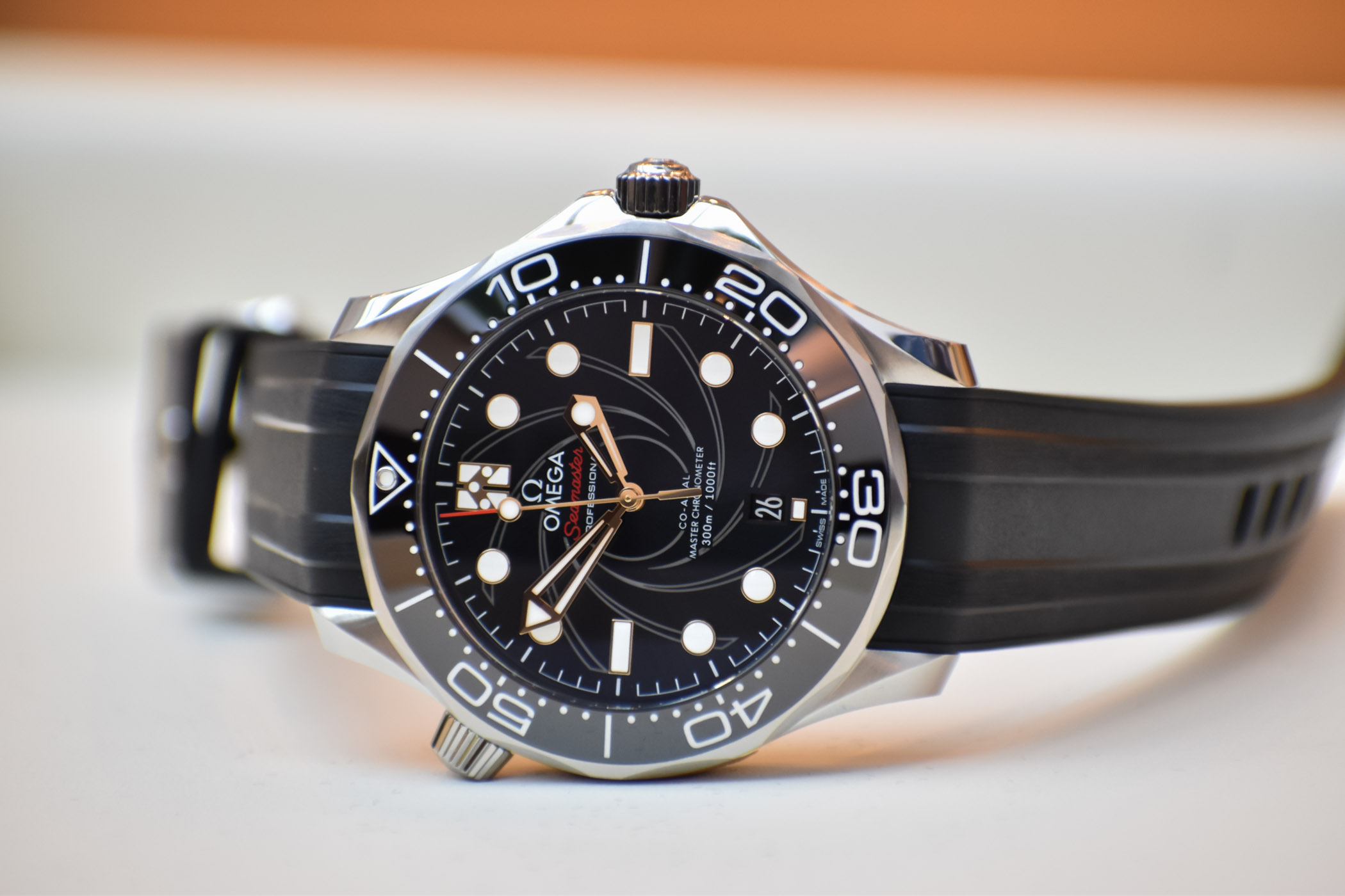 Omega Seamaster Diver 300M Bond On Her Majestys Secret Service 50th Anniversary 210.22.42.20.01.004