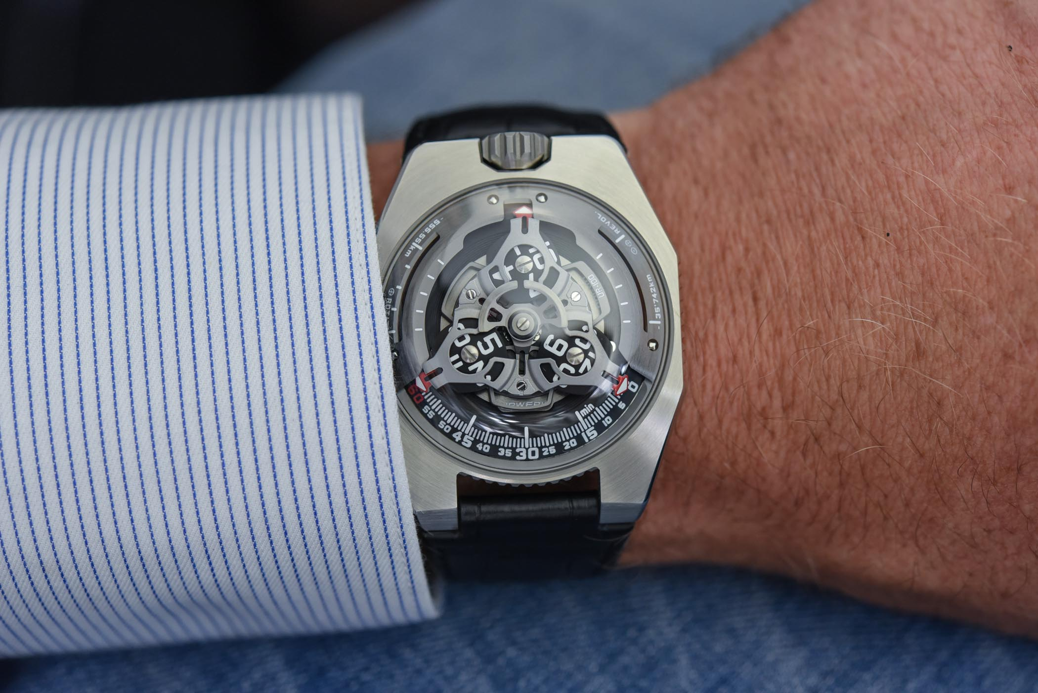 https://k8q7r7a2.stackpathcdn.com/wp-content/uploads/2019/09/URWERK-UR-100-SpaceTime-Review-5.jpg