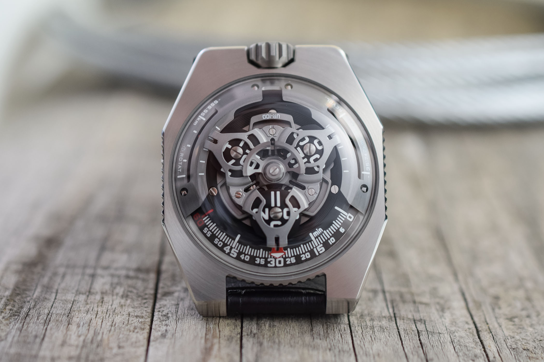 https://k8q7r7a2.stackpathcdn.com/wp-content/uploads/2019/09/URWERK-UR-100-SpaceTime-Review-7.jpg