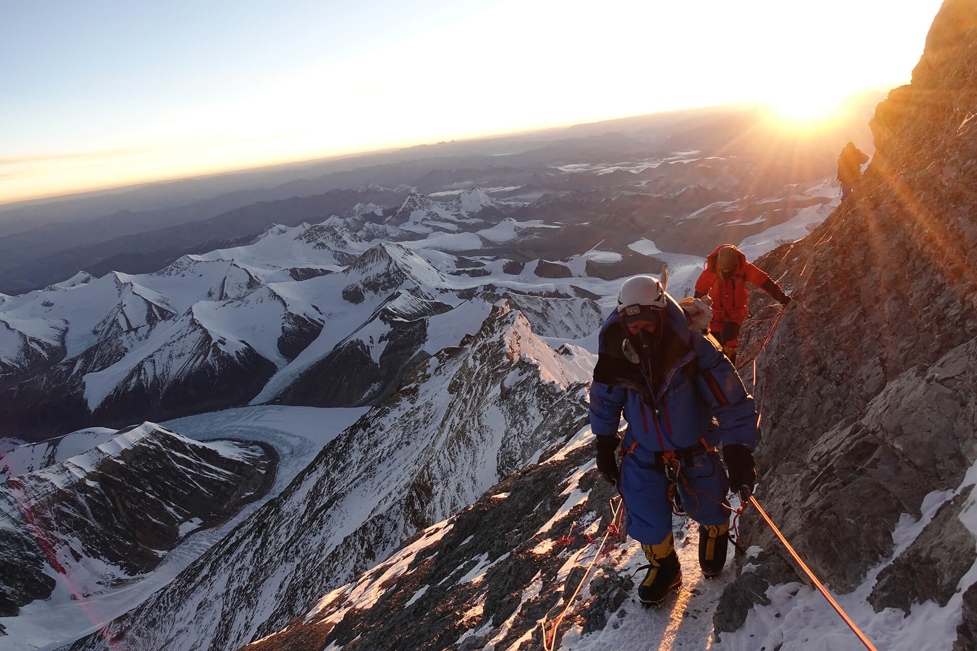 Adrian Ballinger On Climbing Everest Without Oxygen, his Favre-Leuba Bivouac 9000 On The Wrist