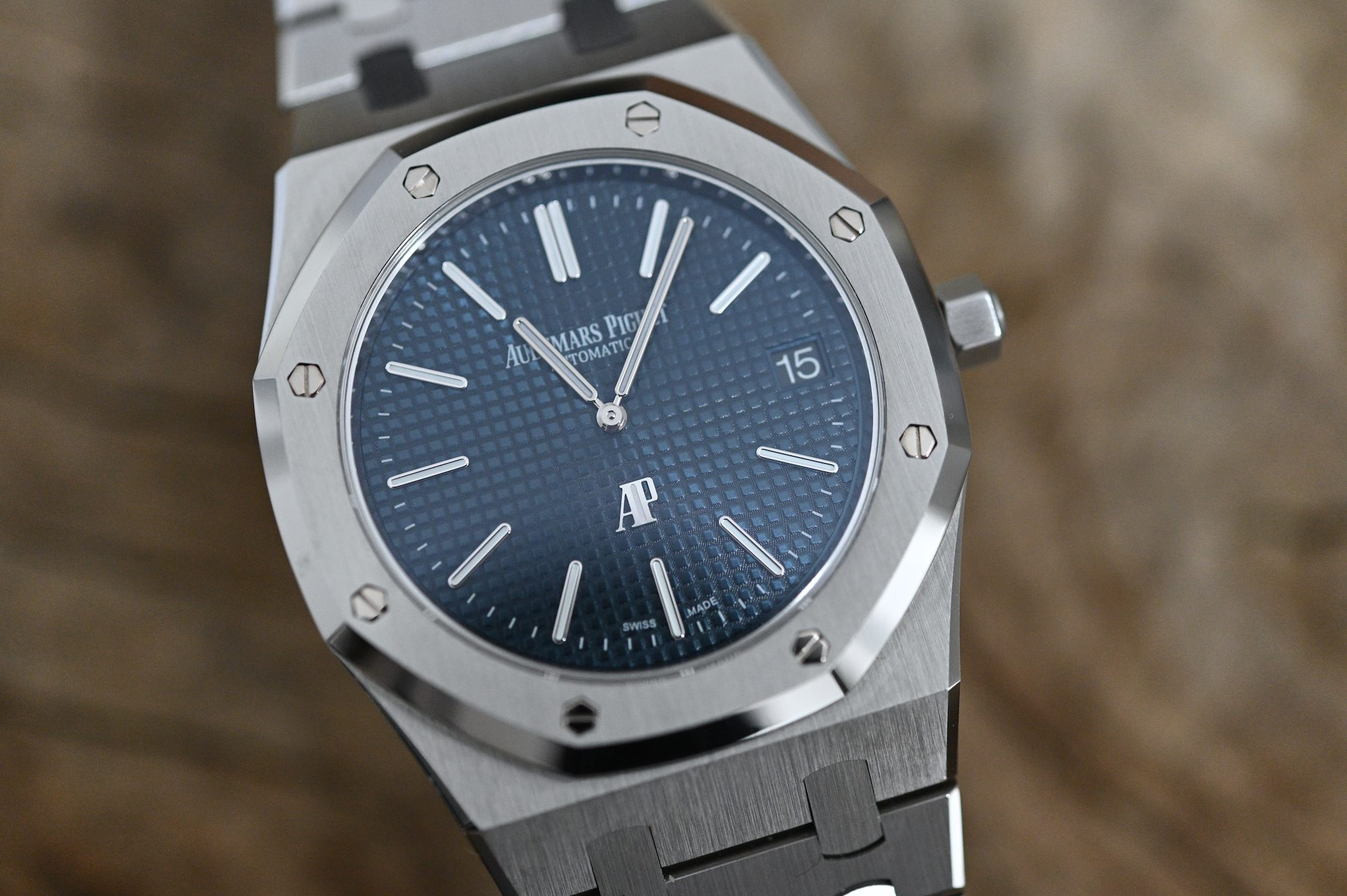 Audemars Piguet Royal Oak Jumbo Extra-Thin 15202ST.OO.1240ST.01