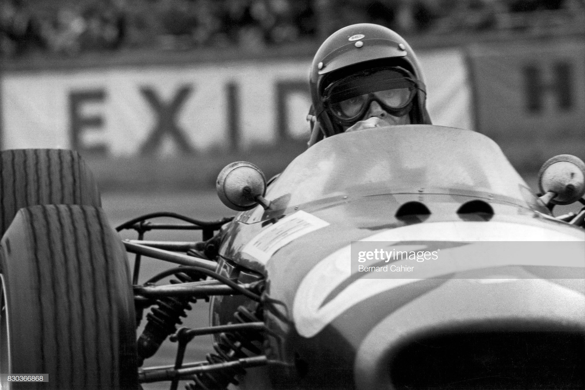 Dan Gurney, Silverstone, 10 July 1965 - Photo by Bernard Cahier/Getty Images