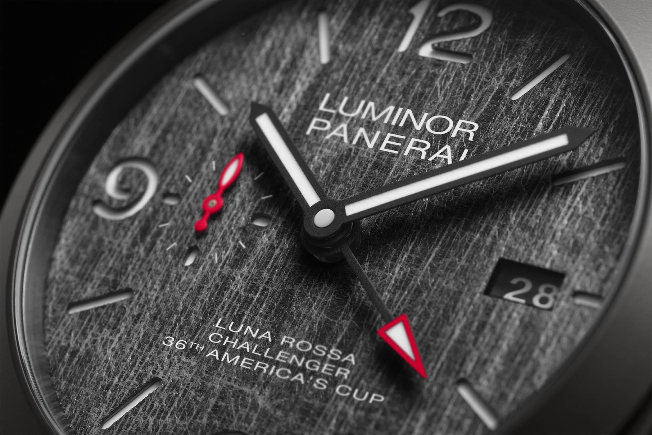 Panerai Luna Rossa Luminor GMT 44mm PAM01036