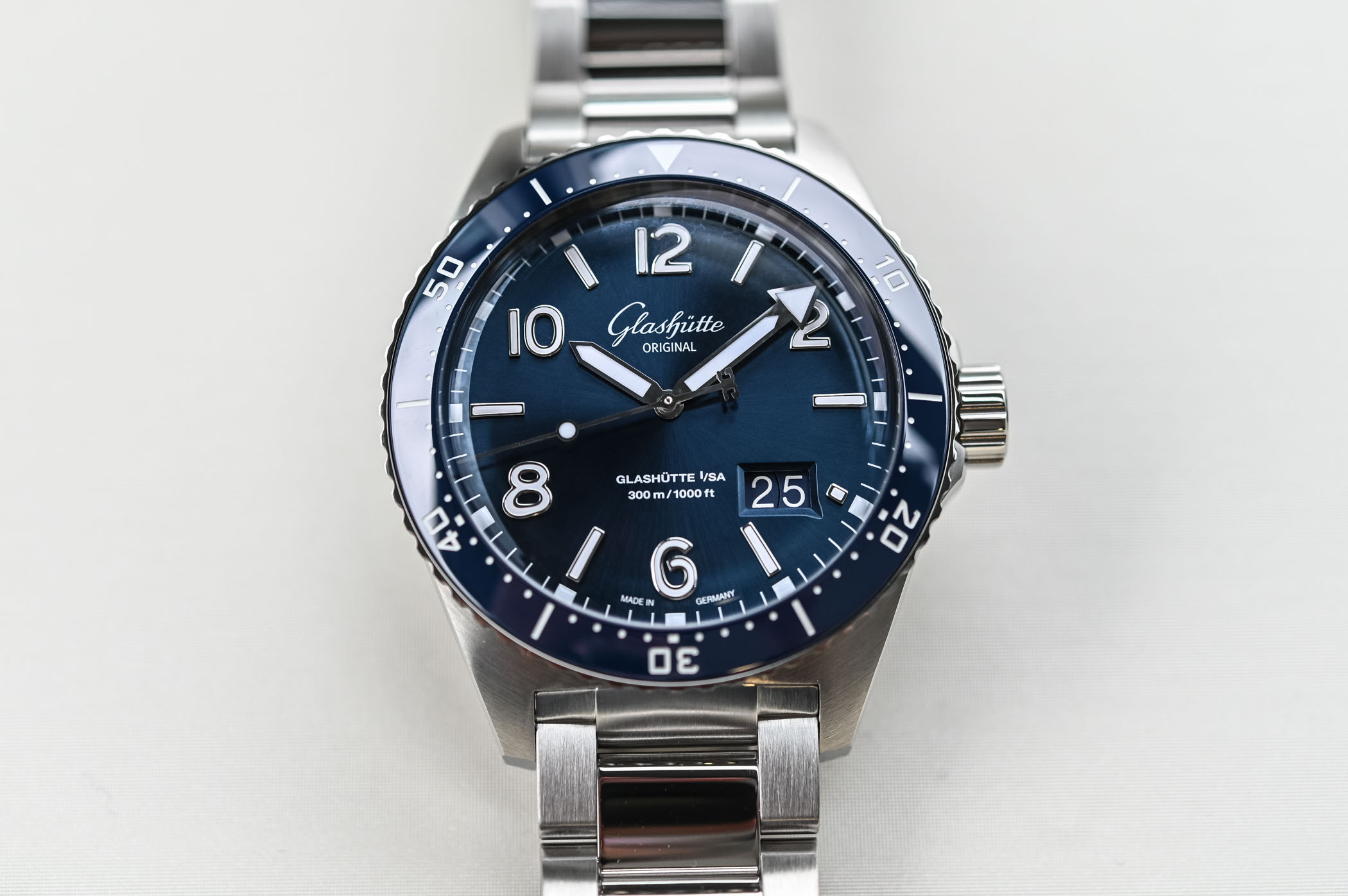 Glashutte Original SeaQ Panorama Date - Dive Watch Review
