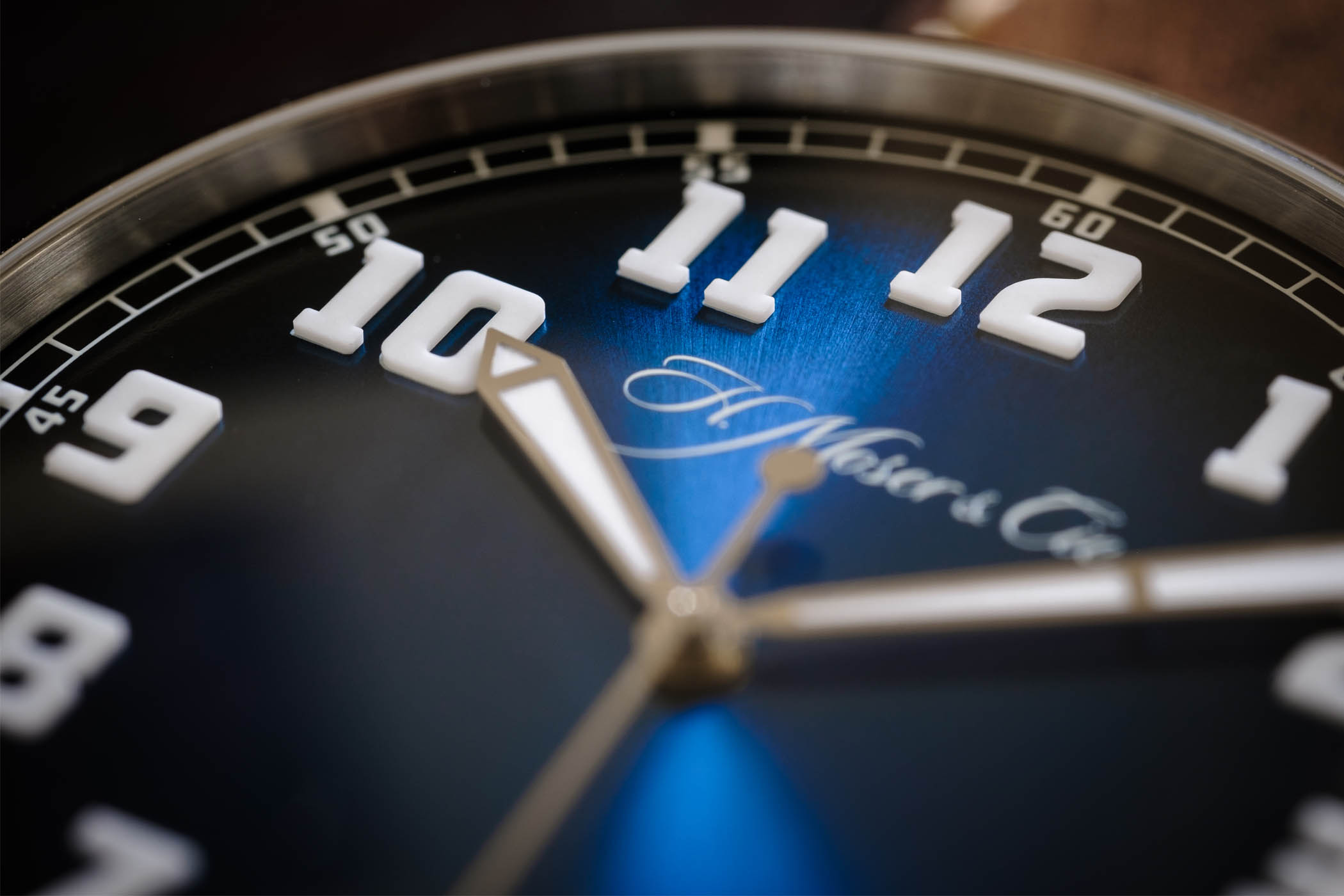 H. Moser & Cie Heritage Centre Seconds Funky Blue