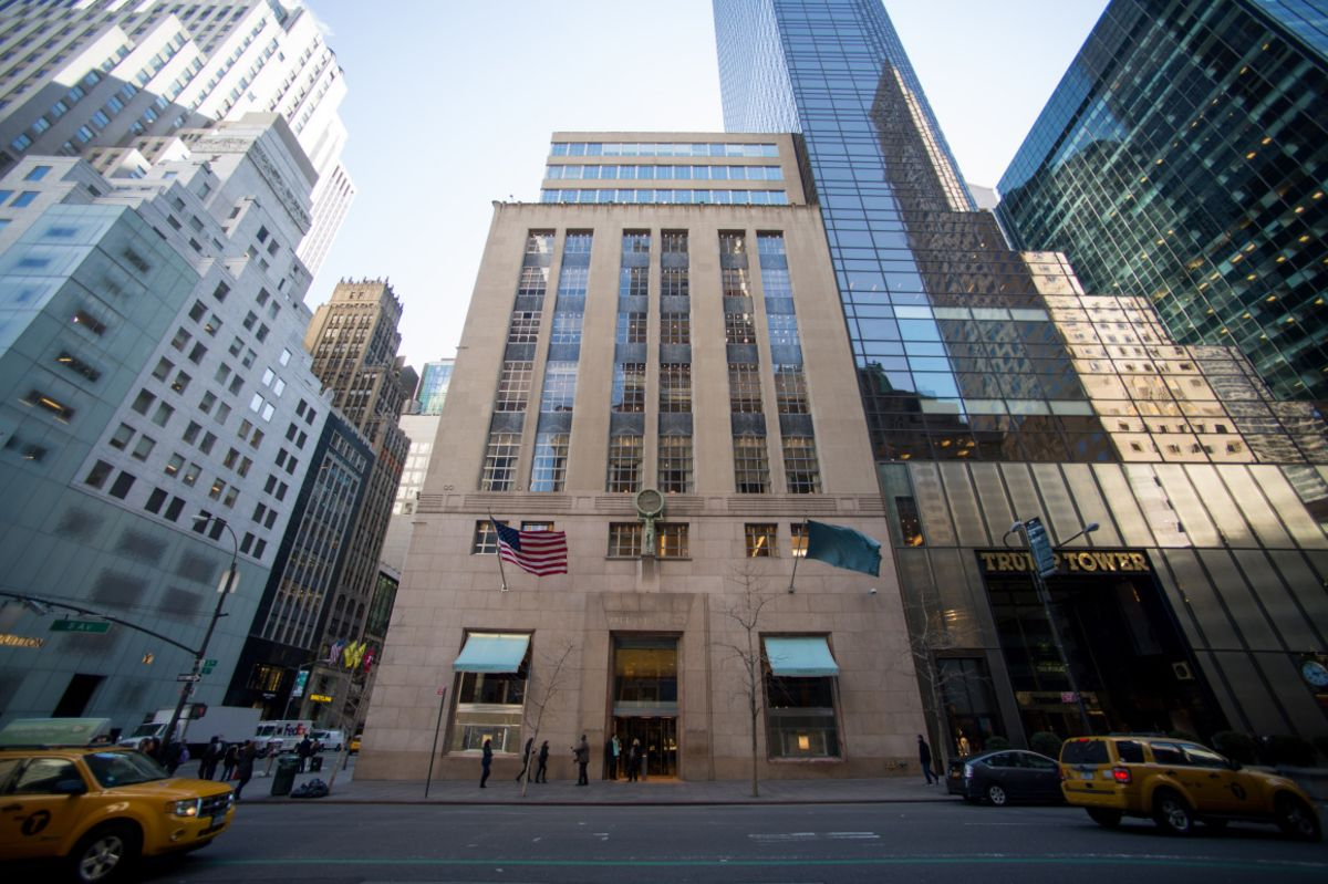 LVMH Acquires Tiffany and Co for USD 16 billion - 3