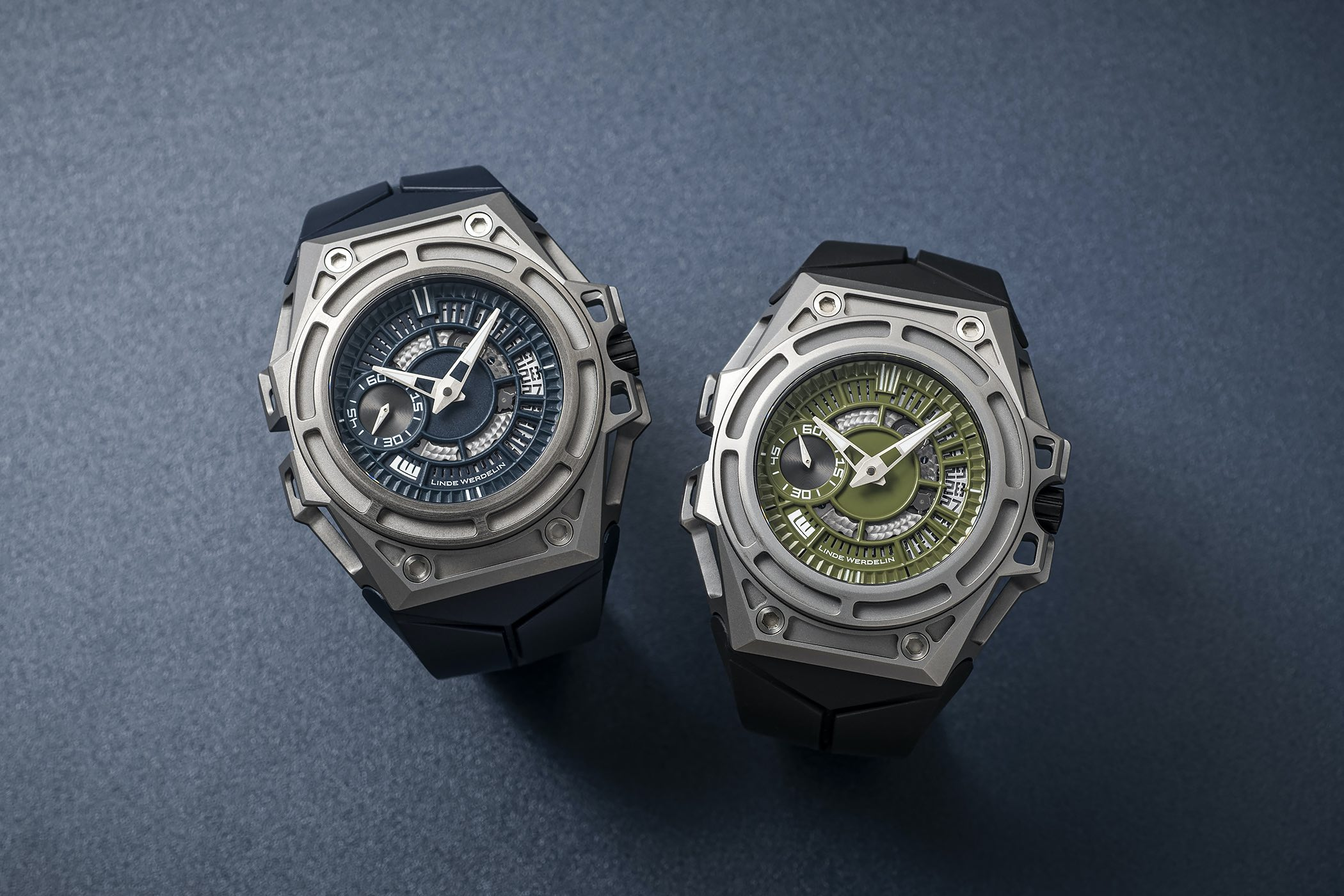 Linde Werdelin Spidolite Titanium Arktis Blue and Summit Green