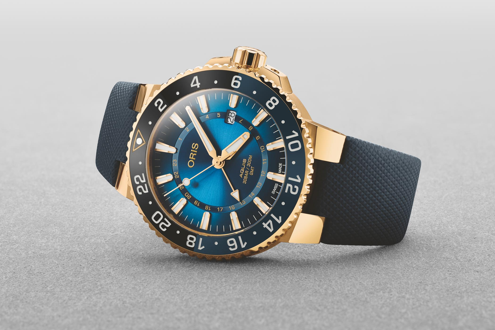 Oris Carysfort Reef Limited Edition Aquis GMT Yellow Gold
