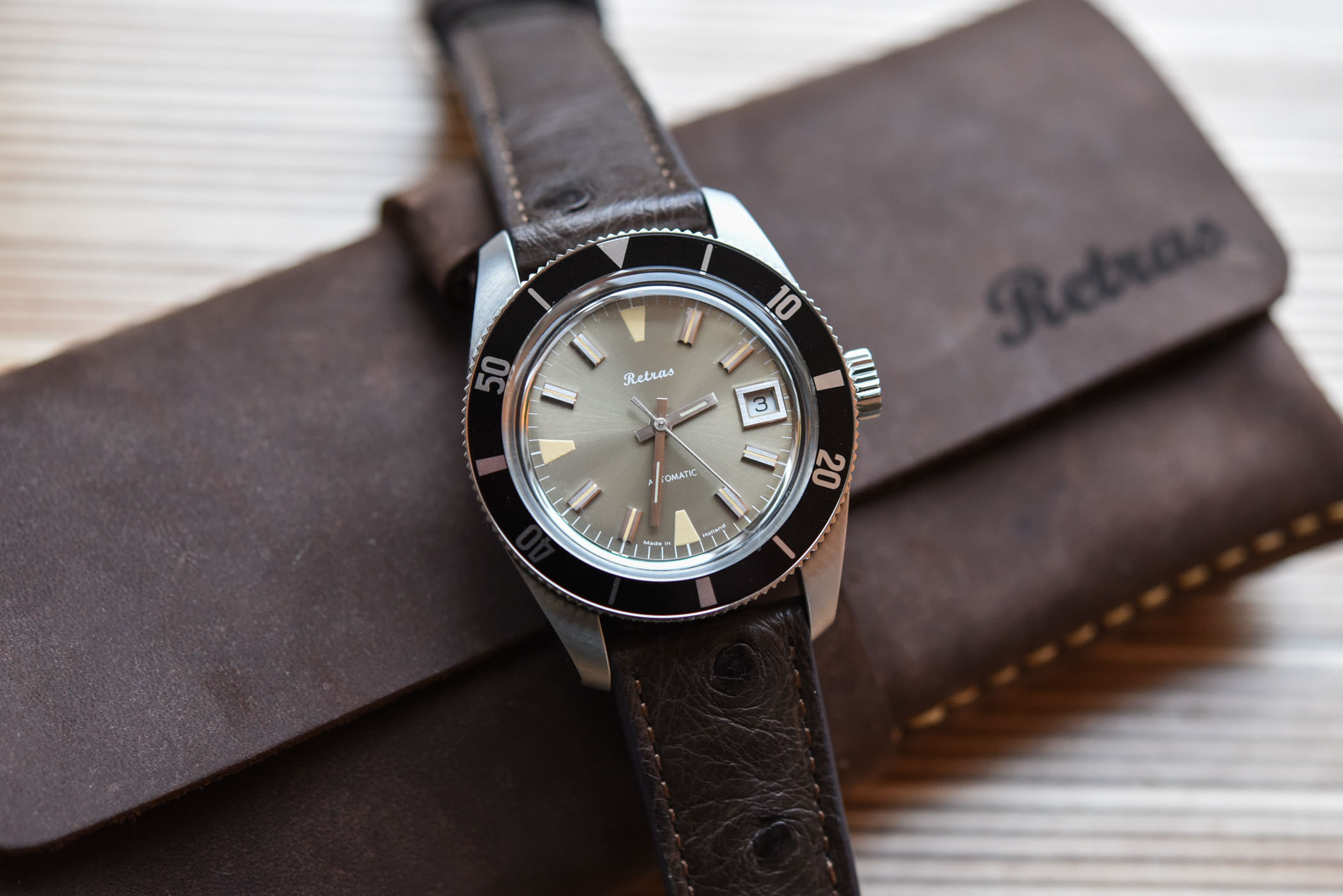 Retras Diver - Vintage Inspired Dive Watch
