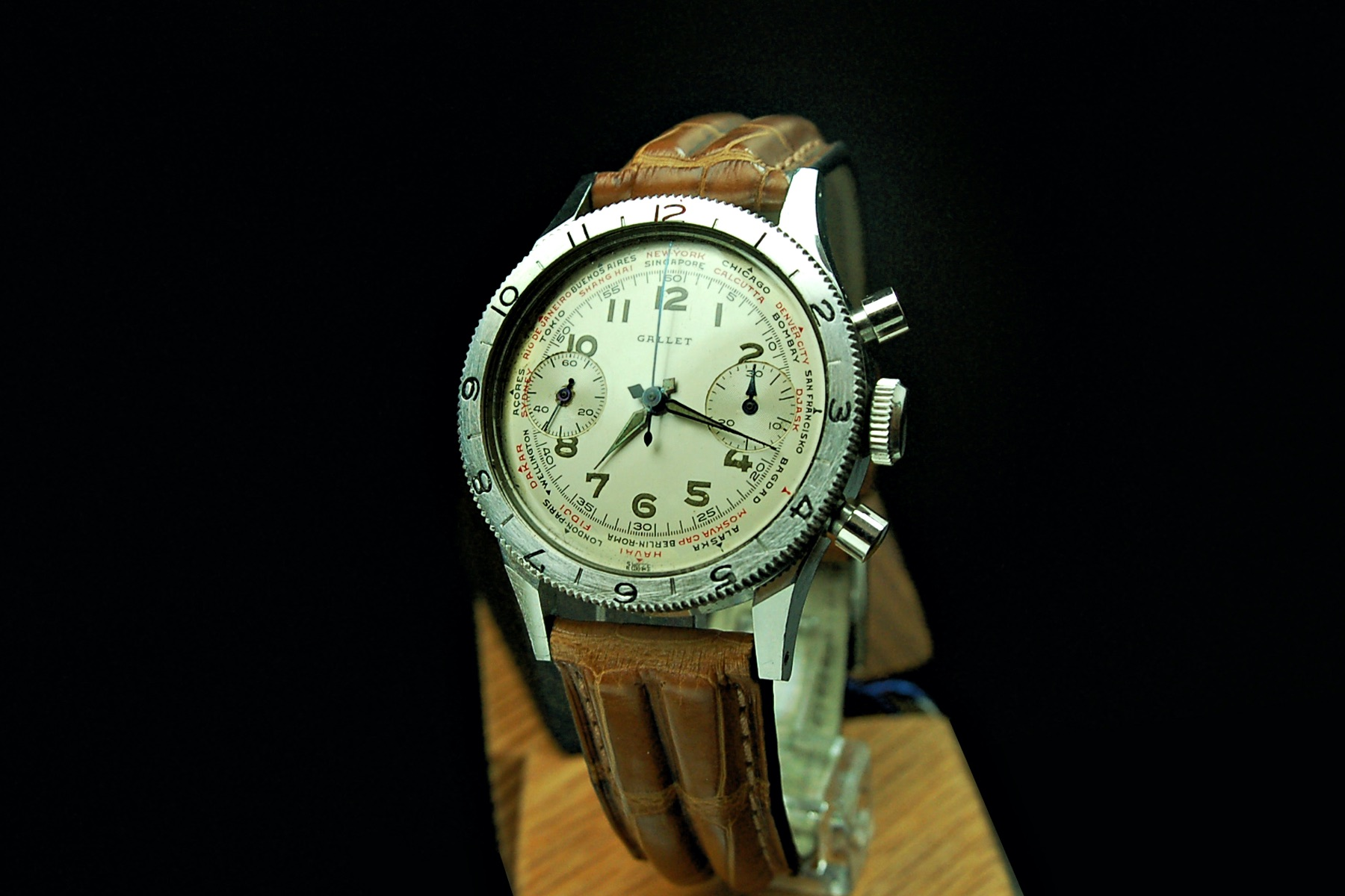 Vintage Corner Gallet Flying Officer