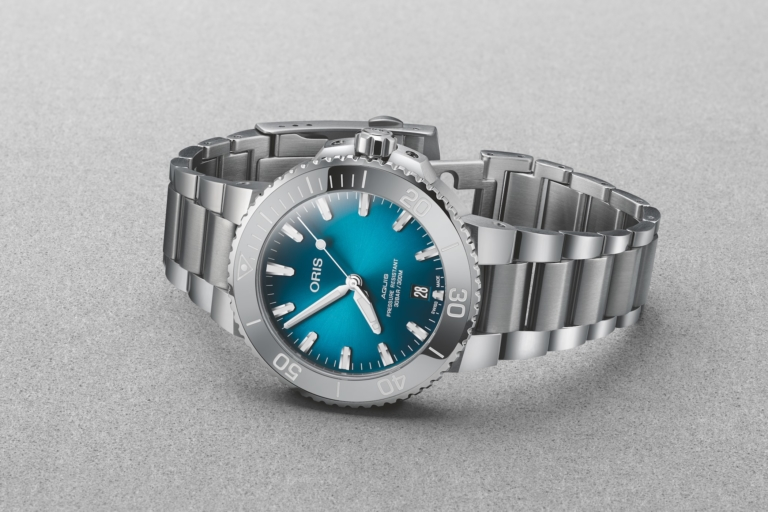 Oris Aquis Date now with 39.5mm and 41.5mm Cases // Specs & Price