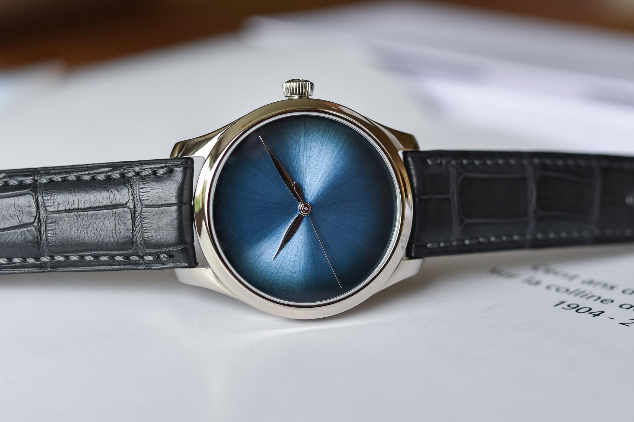H Moser Cie Endeavour Centre Seconds Concept Funky Blue - 1