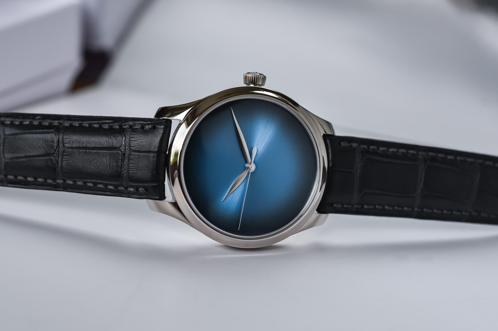 H Moser Cie Endeavour Centre Seconds Concept Funky Blue - 4