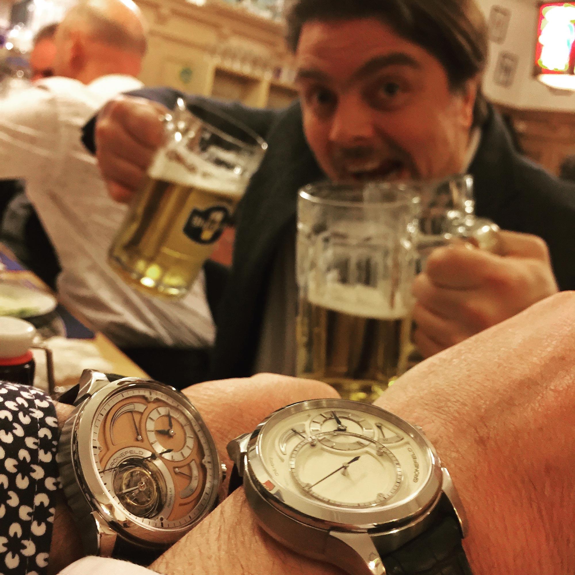 Sarpaneva stealing beer while Grönefeld take a wristshot