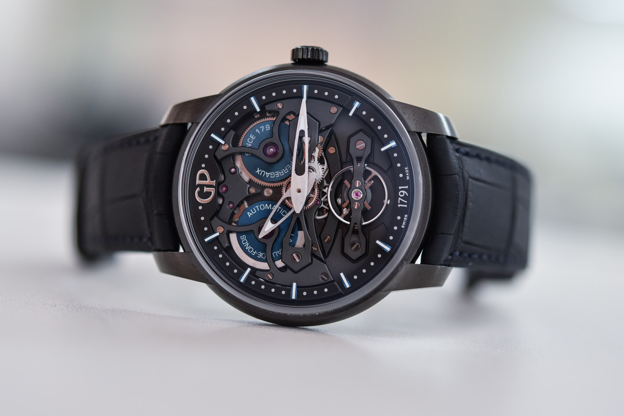 Girard-Perregaux Neo Bridges Earth To Sky Edition