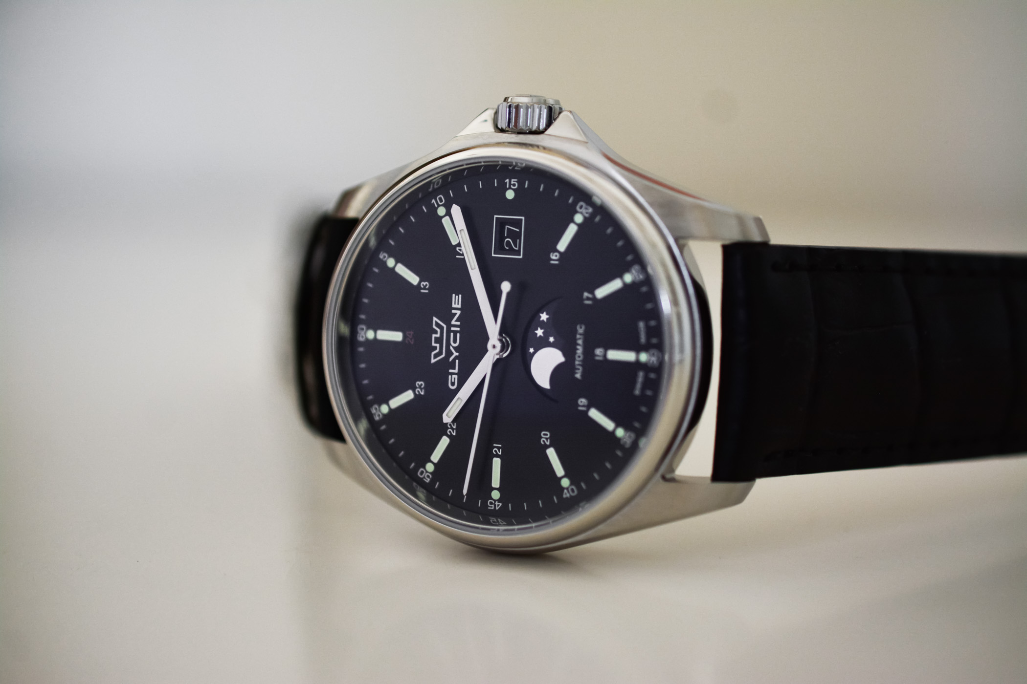 Glycine Combat 6 Classic Moonphase - Value Proposition Review - 2