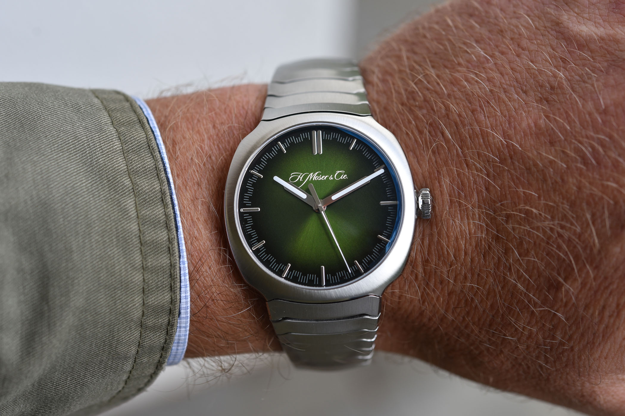 H. Moser & Cie. Streamliner Centre Seconds Matrix Green
