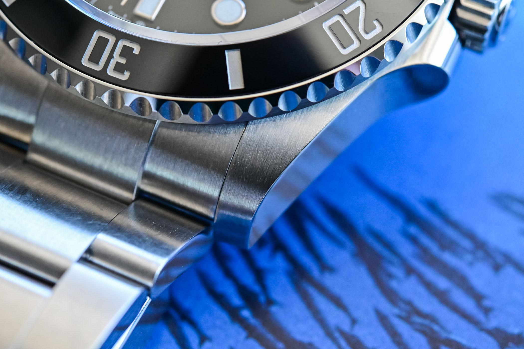 Rolex Submariner 41mm 124060 no-date Steel 2020 - new lugs detail