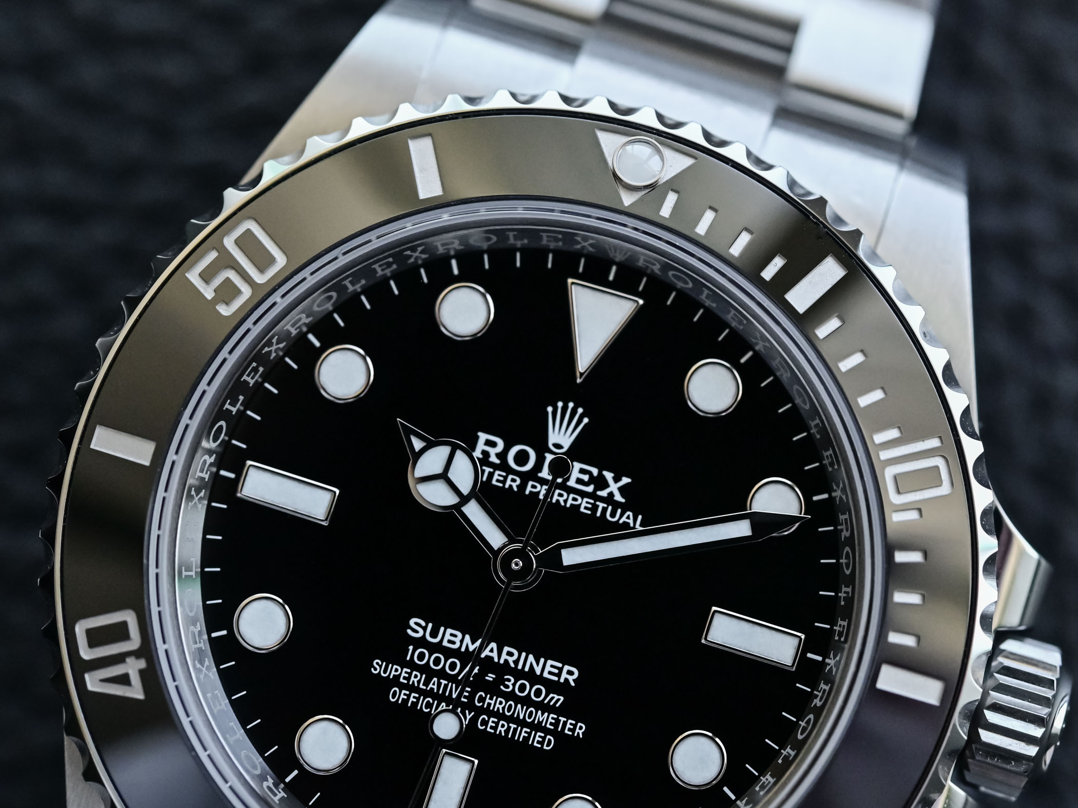 Rolex Submariner 41mm 124060 no-date Steel 2020 - bezel detail