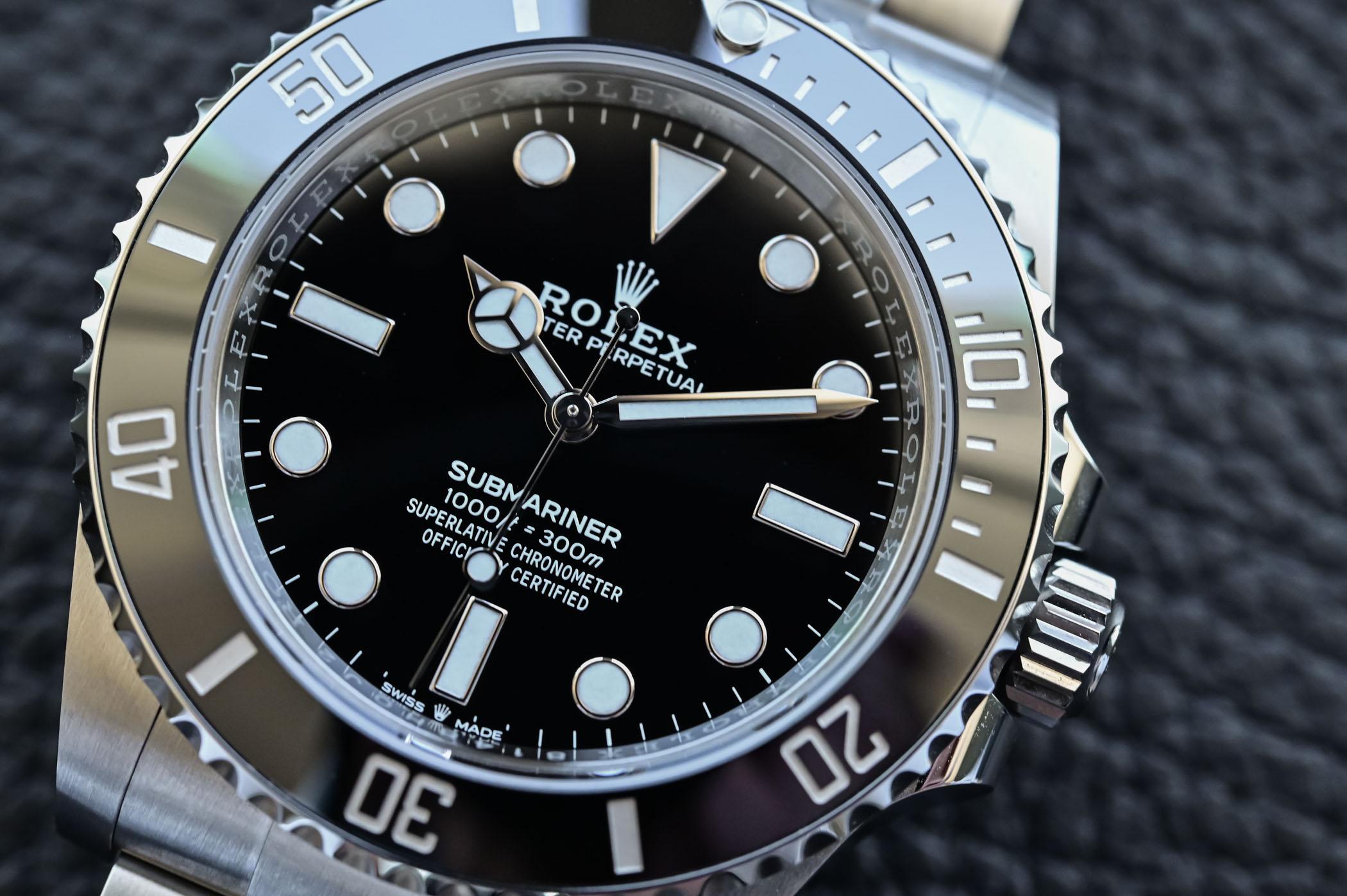 Rolex Submariner 41mm 124060 no-date Steel 2020 - black dial detail