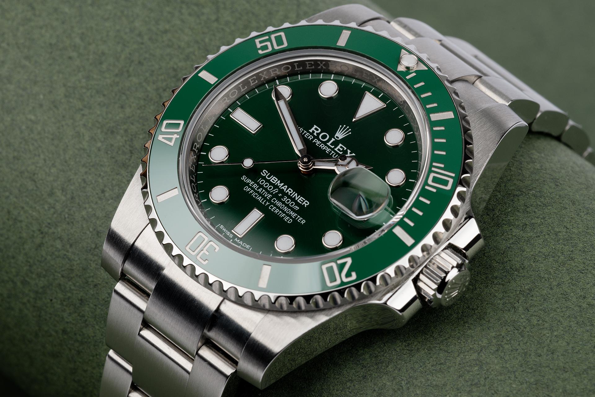 Rolex Submariner Date 116610LV Hulk - 2