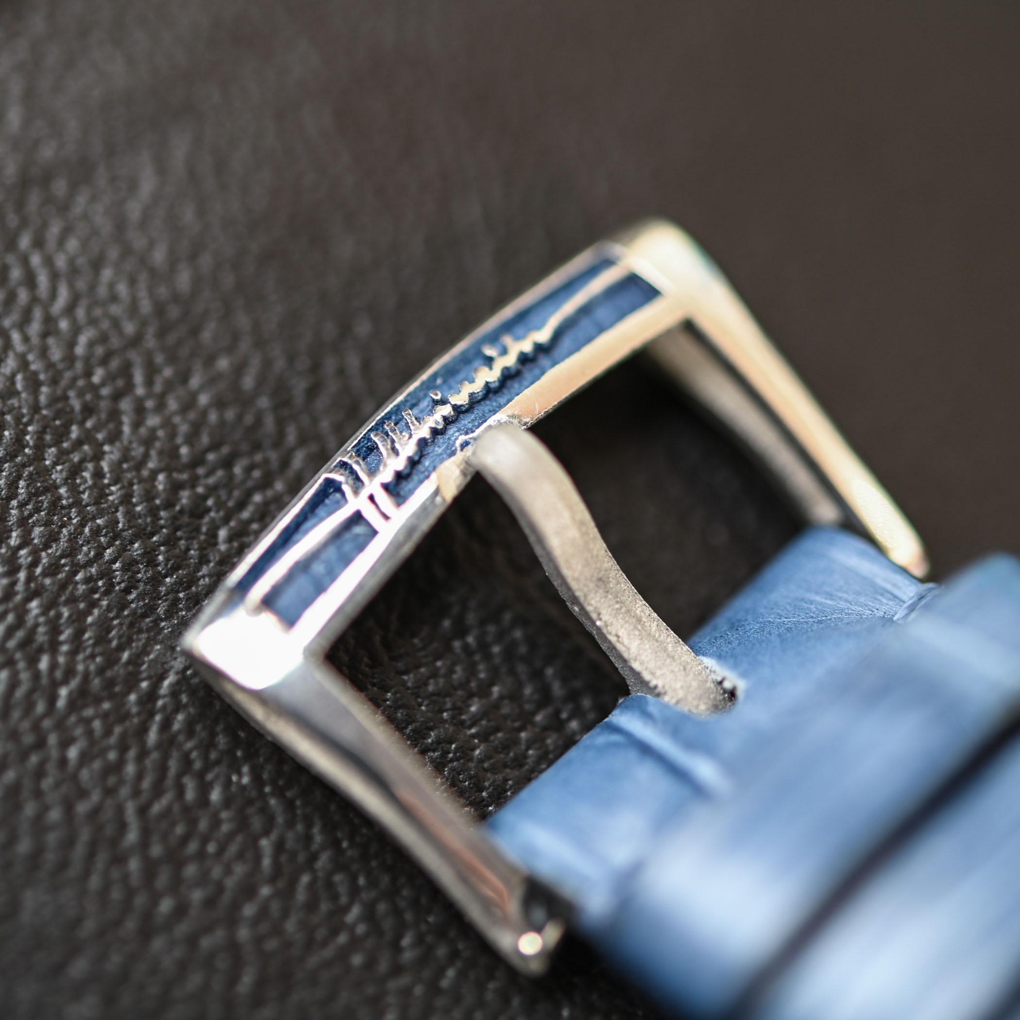 Collectors Series - Unique Platinum Holthinrichs Ornament1 - 8