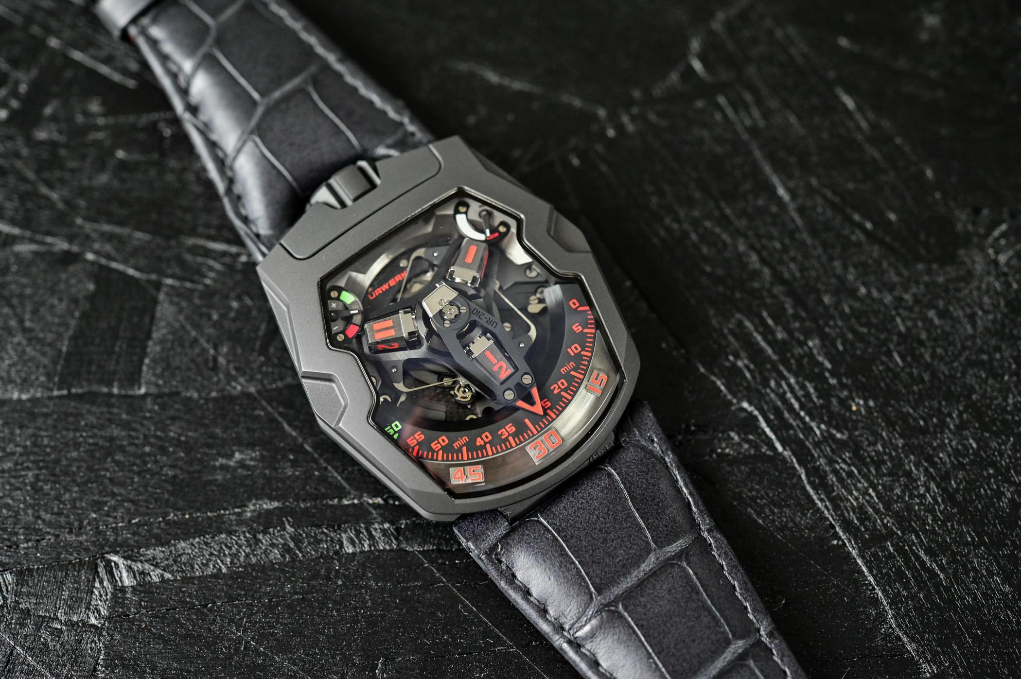 Urwerk UR-210 Final Edition