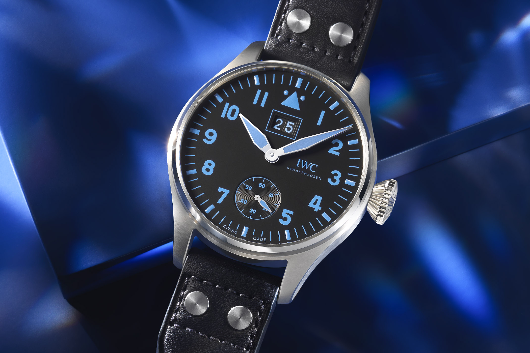 IWC Big Pilot's Watch Big Date Bucherer BLUE IW5105