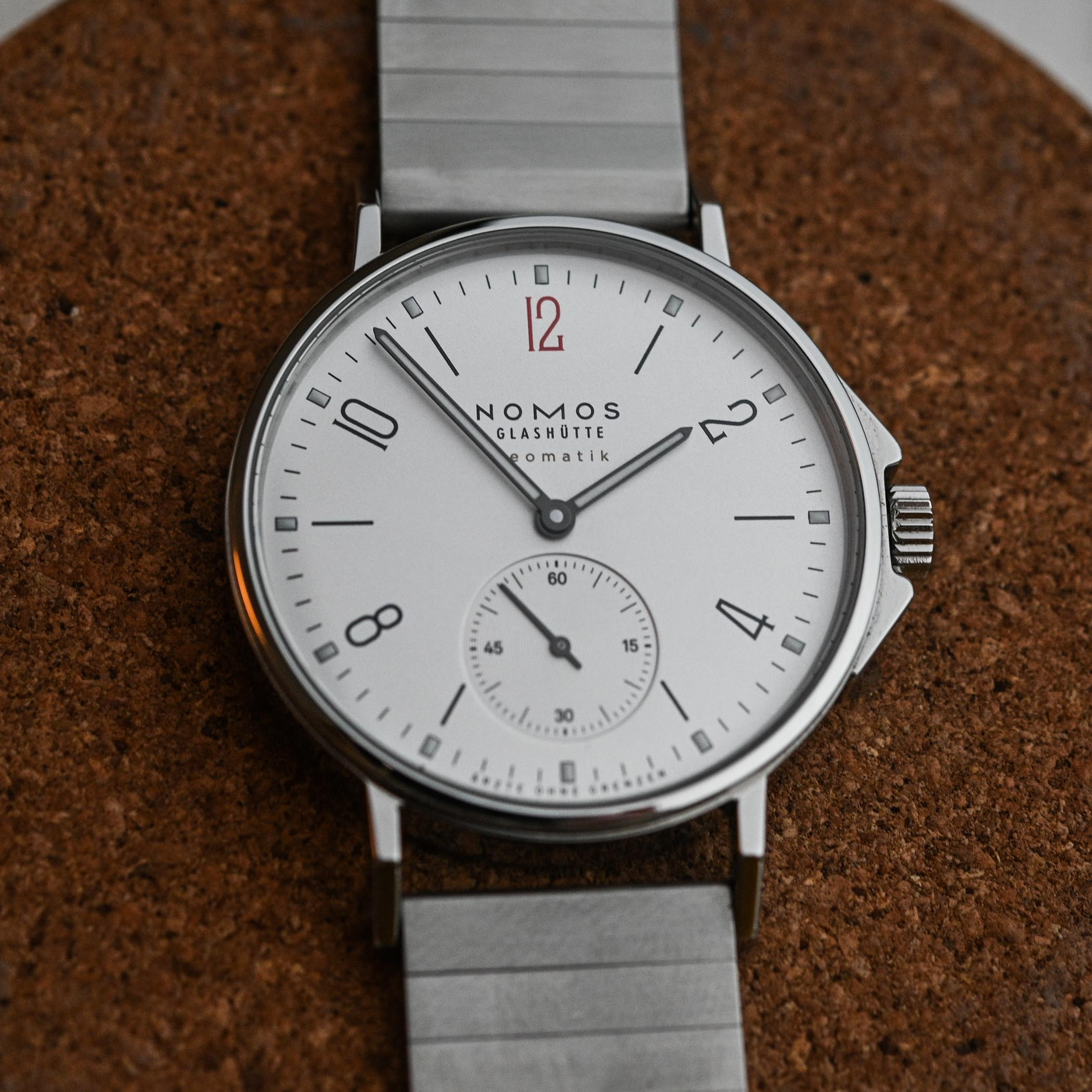 NOMOS Ahoi Neomatik Doctors Without Borders Limited Edition - review - 4