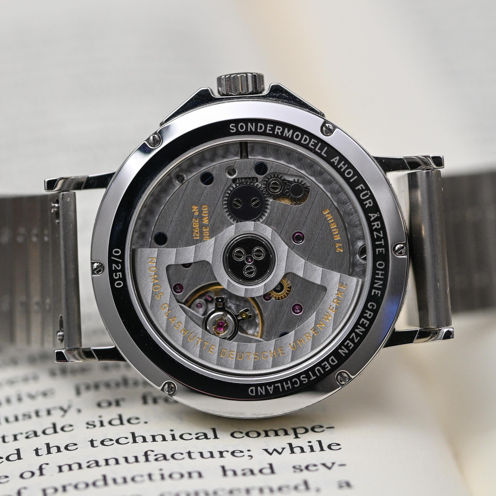 NOMOS Ahoi Neomatik Doctors Without Borders Limited Edition - review - 8